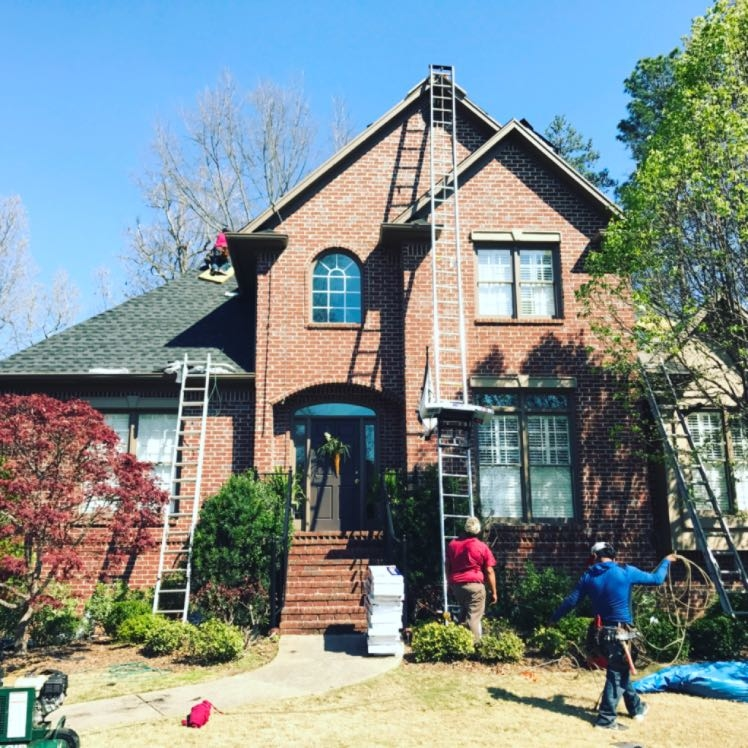 Roof replacement in Vestavia Hills, Alabama. Calstone Roofing installs a roofing system that exceeds warranty specs. Call Capstone for a free roofing estimate today!