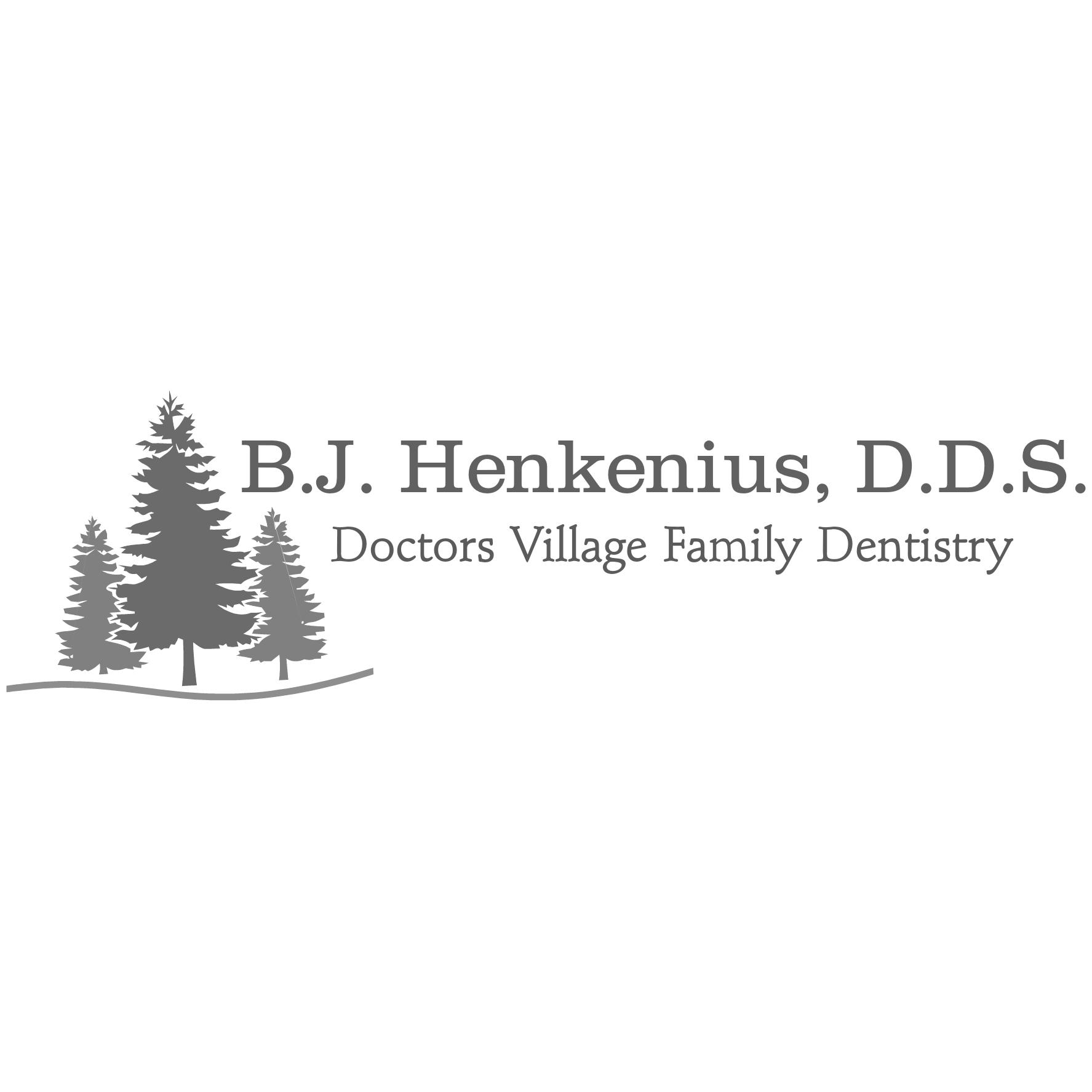 Bradley Henkenius DDS Doctors Village Family Dentistry
