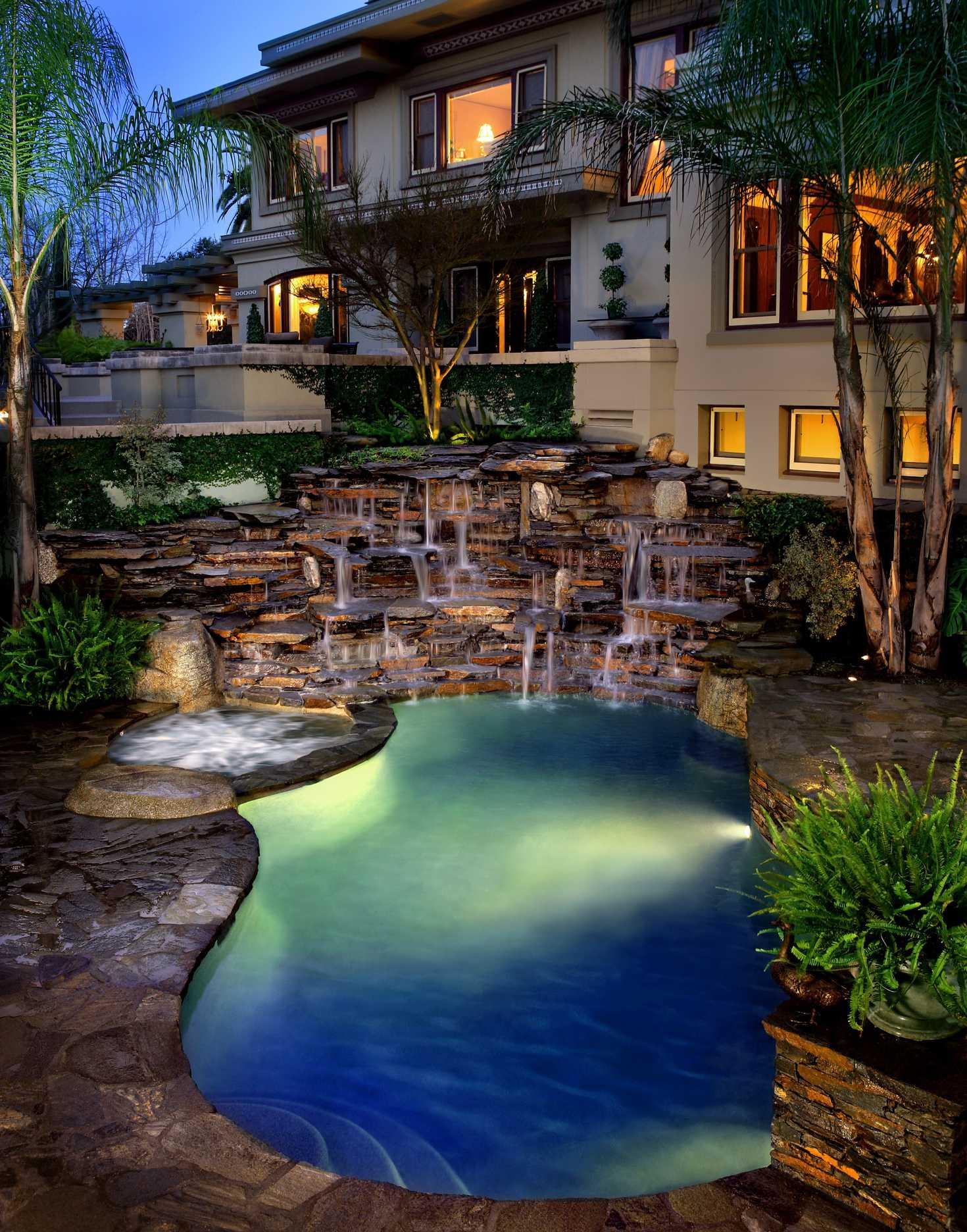 Luxe h2o hancock park pool design construction in los for Pool design los angeles ca