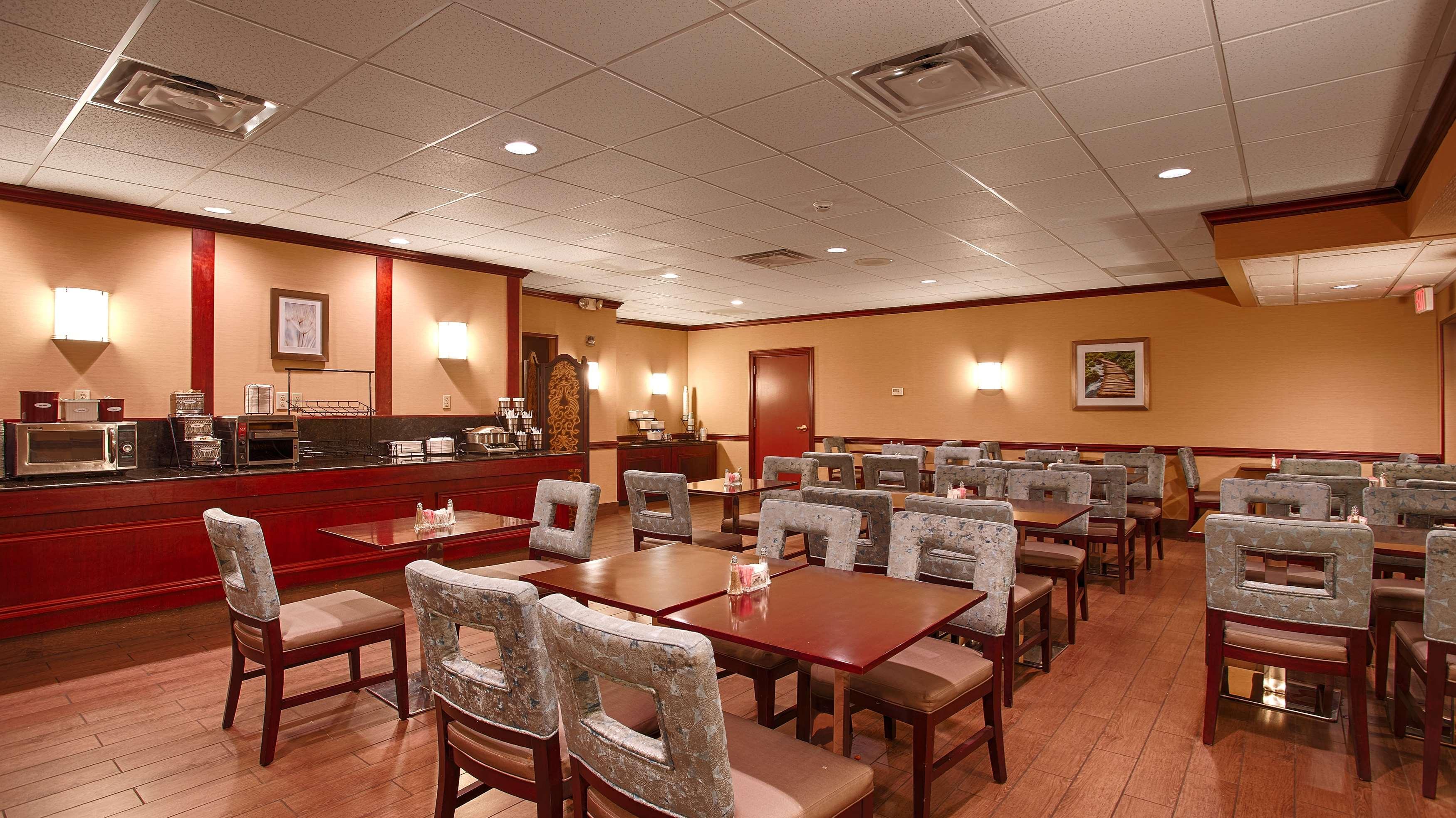 Best Western Plus Lockport Hotel  Lockport New York  Ny