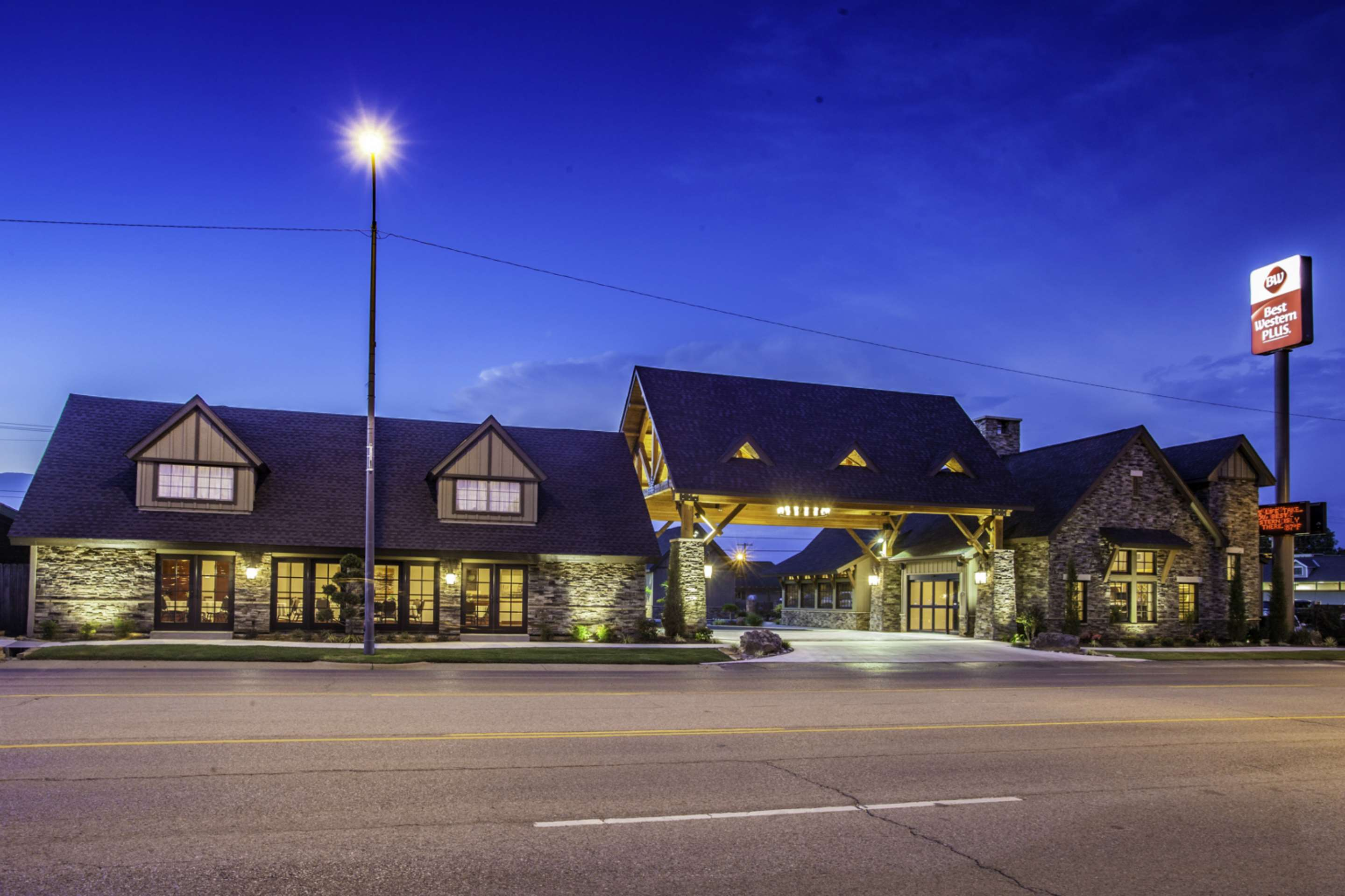 Best western plus weatherford coupons near me in for Motor inn near me