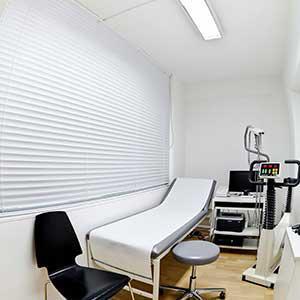 Behandlungsraum - Praxis Dr. med. Monika Schiller München