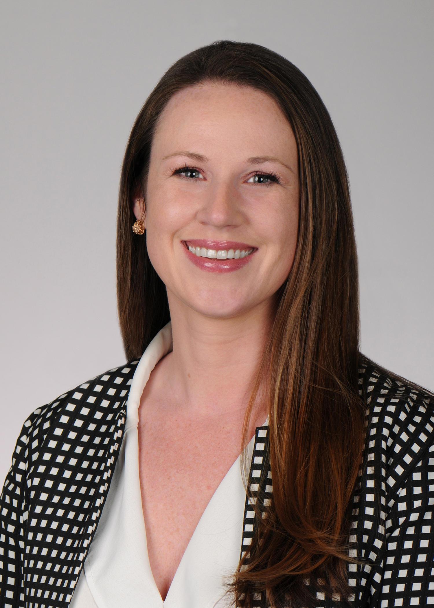 Amanda E Hare