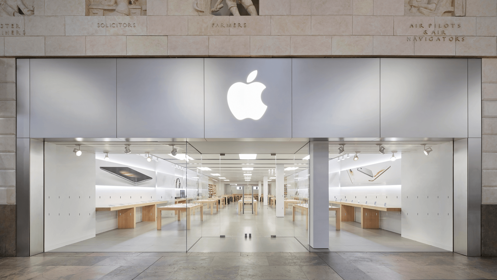 Apple Bluewater - Greenhithe, Kent DA9 9ST - 01322 640100 | ShowMeLocal.com