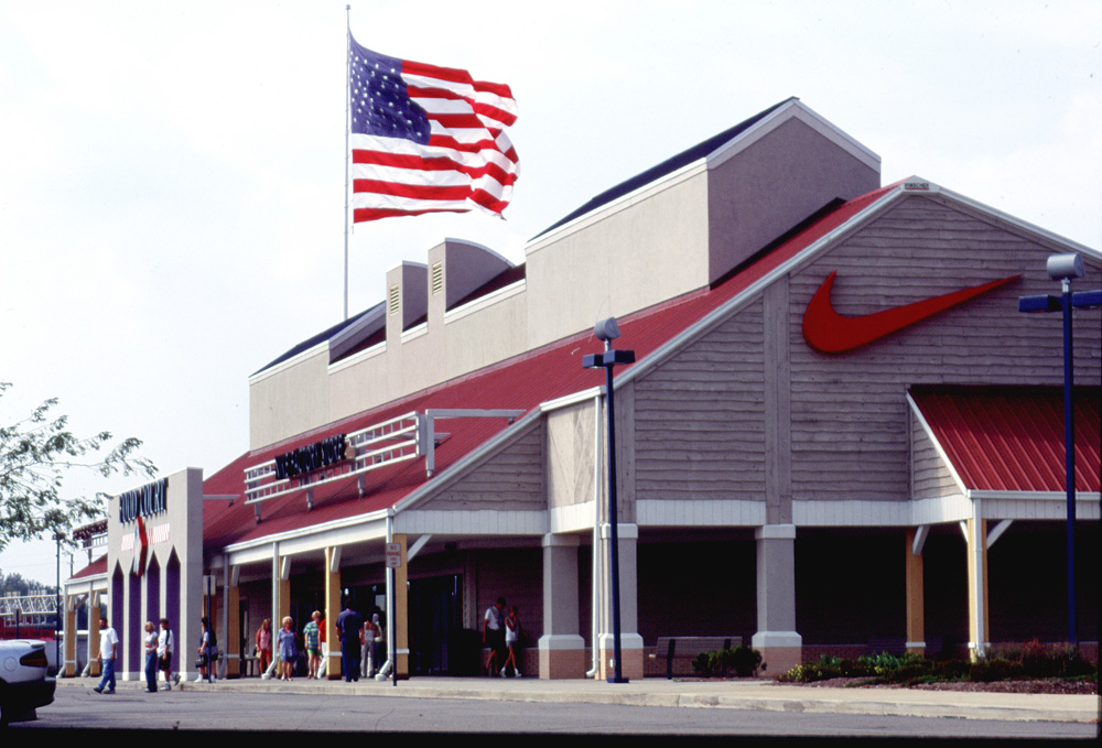 Nike Factory Store store or outlet store located in Edinburgh - Indiana, Indiana - Edinburgh Premium Outlets location, address: N.E. Executive Drive, Edinburgh, Indiana - IN Find information about hours, locations, online information and users ratings and reviews. Save money on Nike Factory Store and find store or outlet near me.3/5(1).