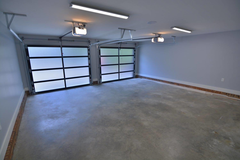 Rcs garage doors in charlotte nc 28210 for Garage door repair port charlotte fl