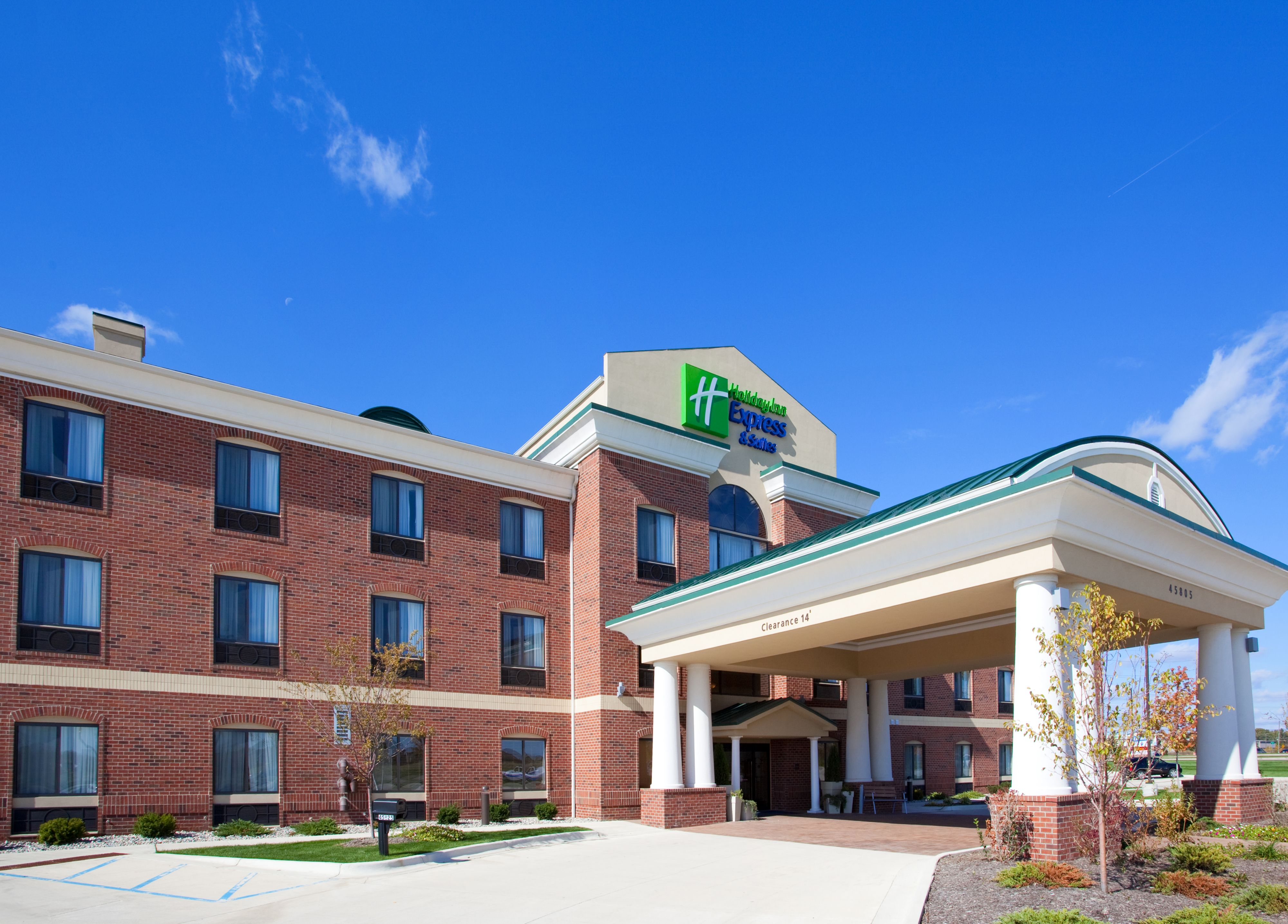 Holiday Inn Express Amp Suites Chesapeake Chesapeake