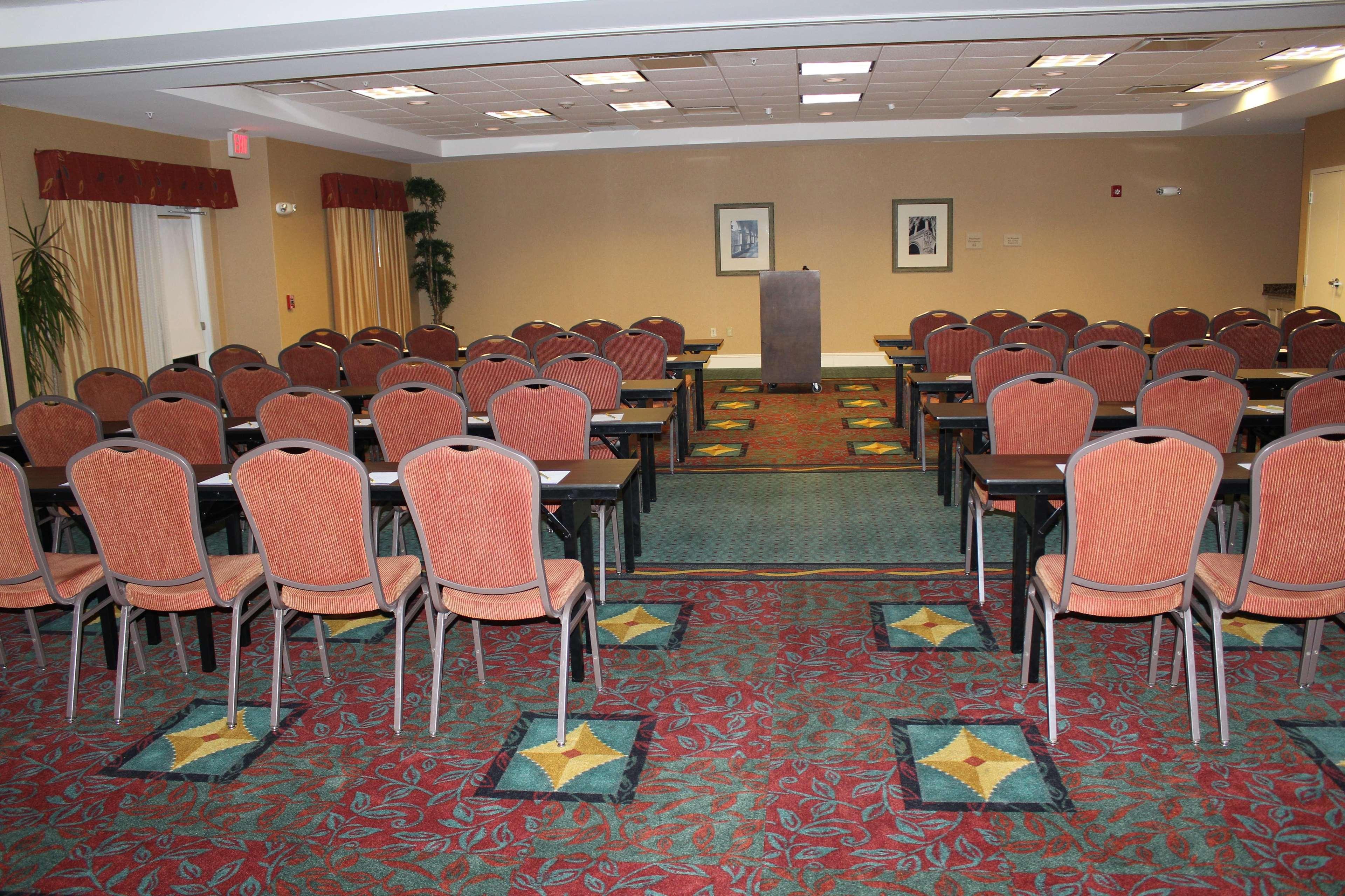 Hilton Garden Inn Fort Myers Airport Fgcu In Fort Myers Fl 33913