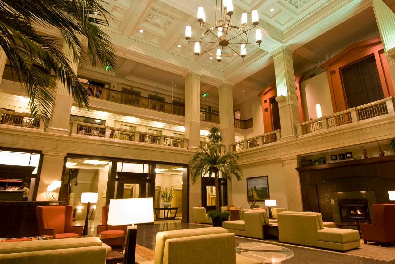 Hilton Garden Inn Indianapolis Downtown Coupons Near Me In Indianapolis 8coupons