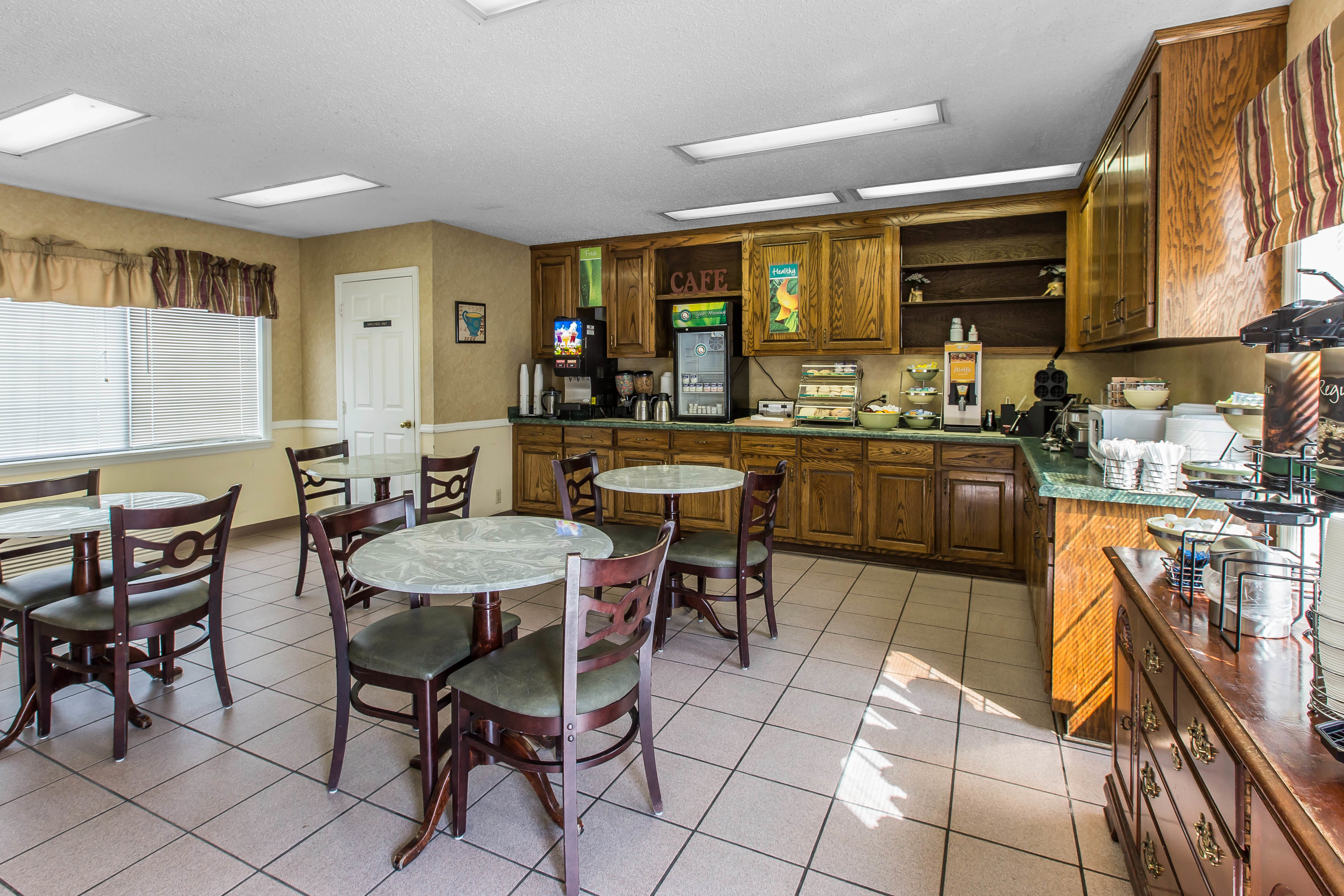 quality inn in jesup ga 31545. Black Bedroom Furniture Sets. Home Design Ideas