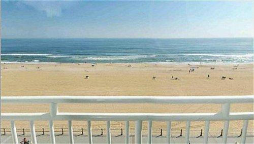 Holiday Inn Express & Suites Va Beach Oceanfront image 3