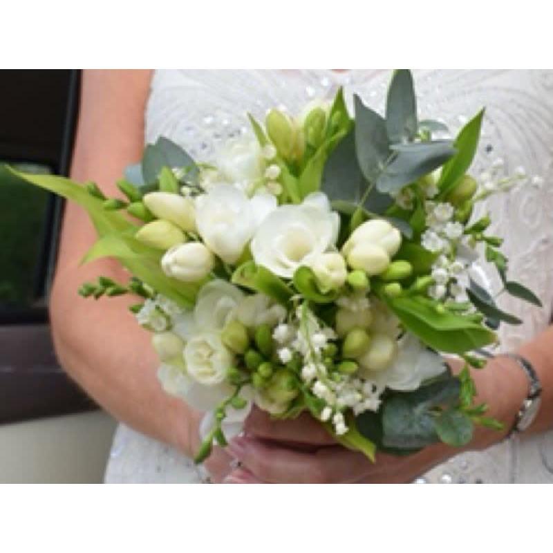 Lisa Flowers Floral Design - Solihull, West Midlands B93 0HG - 07900 881867 | ShowMeLocal.com