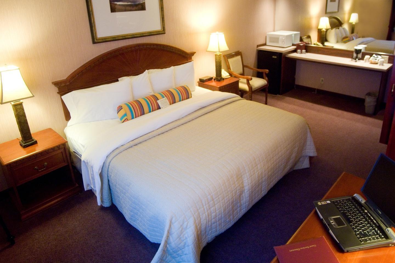 Phoenix Inn Suites - South Salem image 8