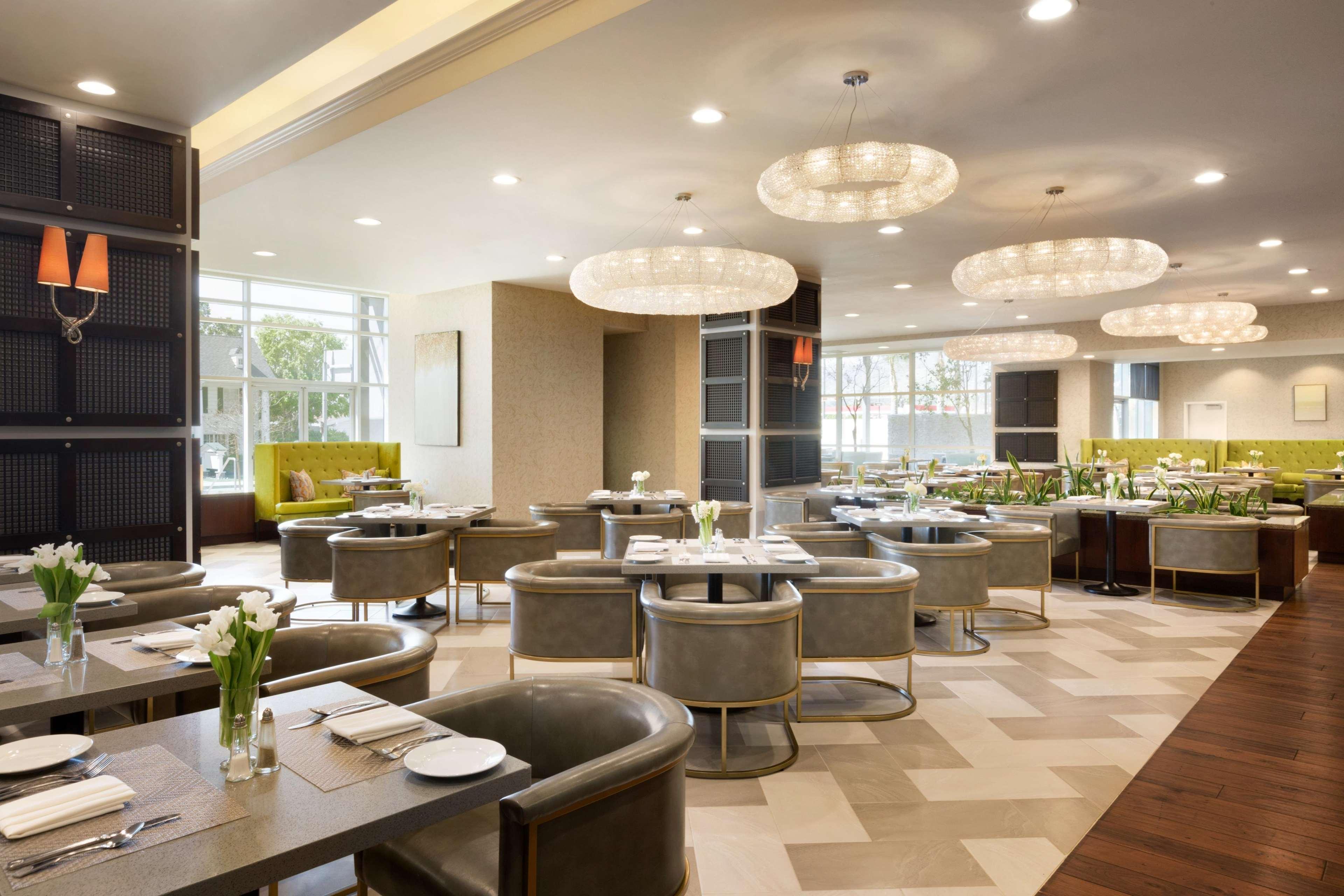 embassy suites by hilton los angeles glendale glendale. Black Bedroom Furniture Sets. Home Design Ideas