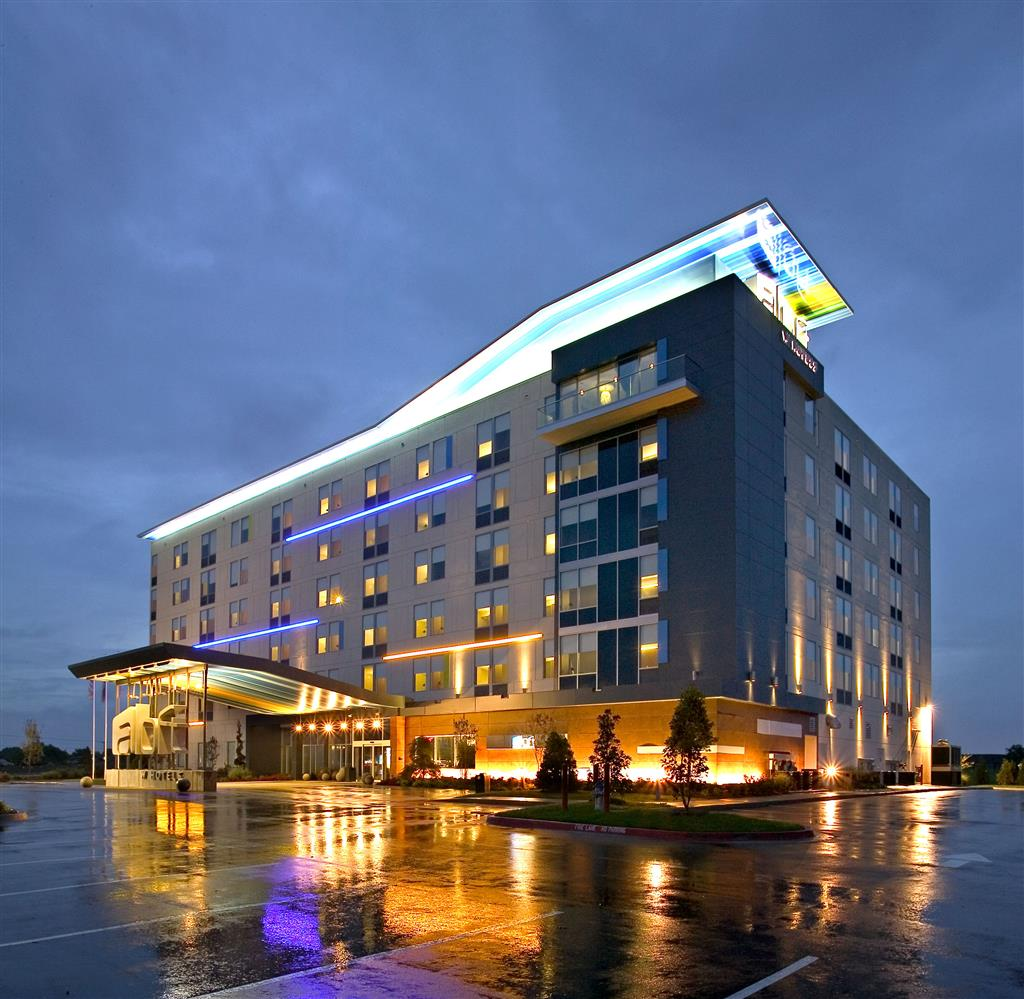 Holiday Inn Express Dallas: Aloft Rogers-Bentonville, Rogers Arkansas (AR