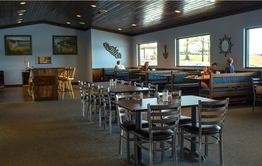 Hoppy's Harbor Grill - Fate Sanders Marina