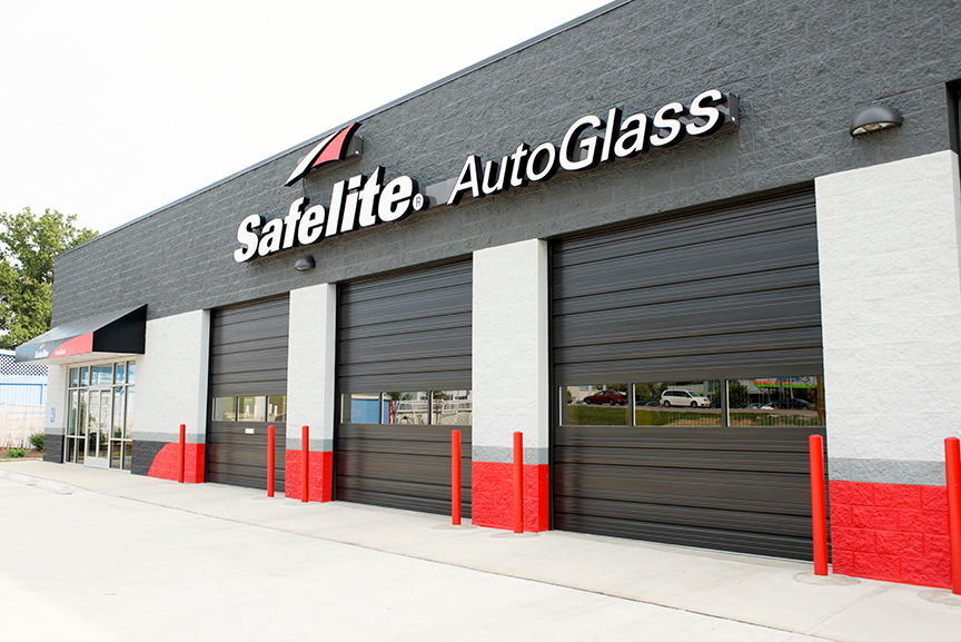 Safelite AutoGlass Brooklyn Park (888)843-2798