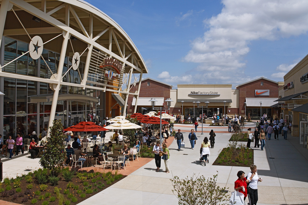 Houston Premium Outlets® offers designer and name-brand outlet stores including Armani Outlet, Burberry, Nike, Kate Spade New York and Tory Burch. We are conveniently located in northwest Houston off of U.S. Highway West at Fairfield Place Drive; approximately 35 minutes from downtown Houston and the Galleria uptown district. Our.