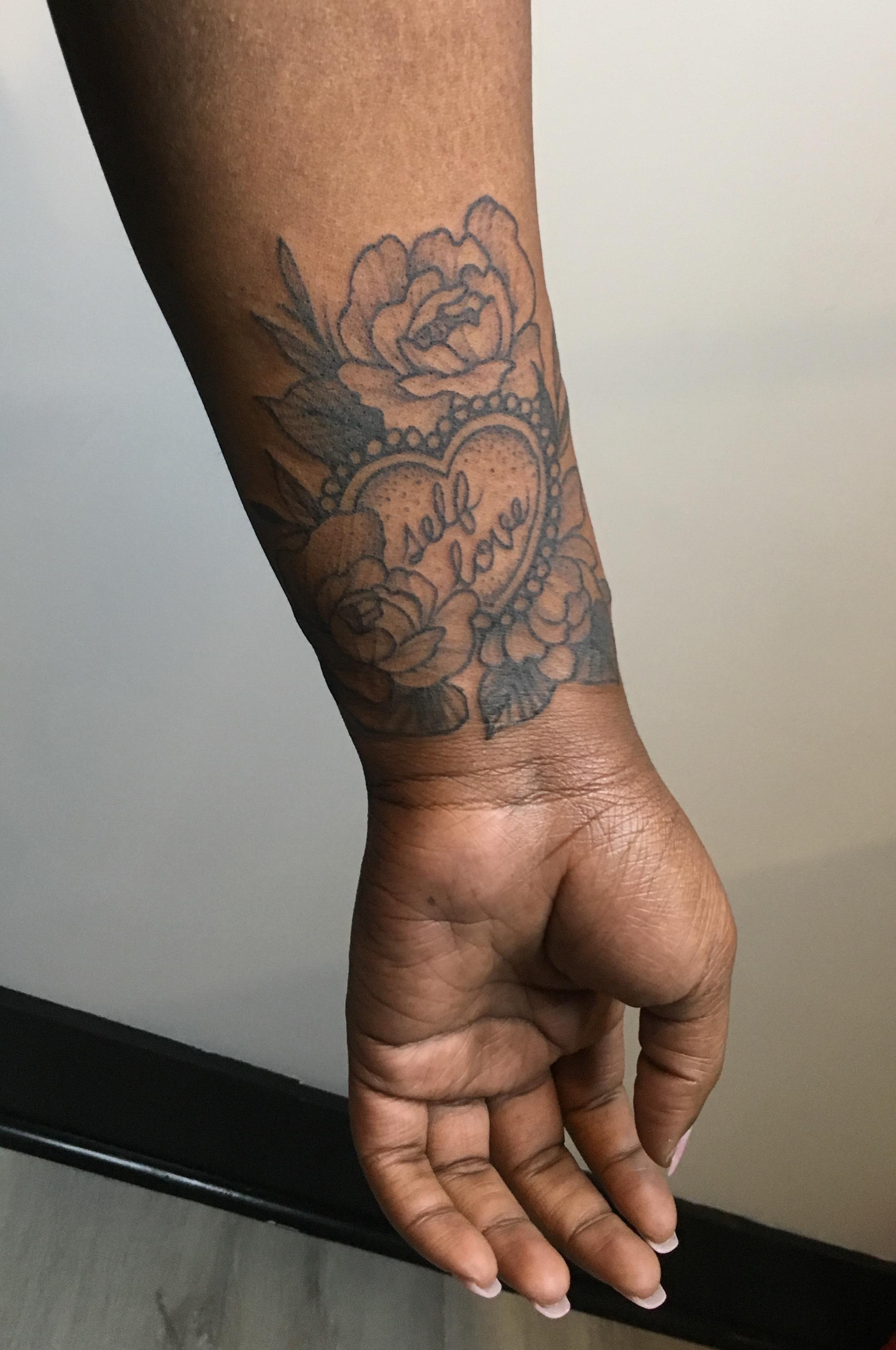Dark Roots Tattoo Co.