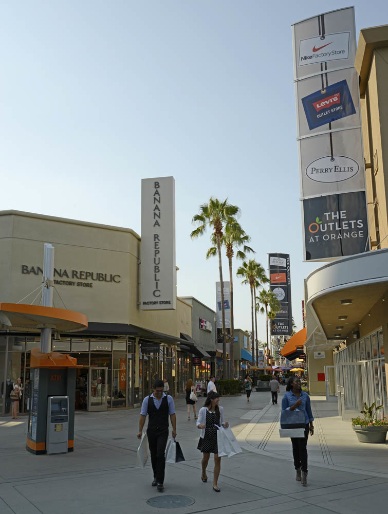 Find the store hours and business days information of The Outlets at Orange. Spot the offers for the stores you´ll find at this and other shopping malls in Orange CA. Discover the .