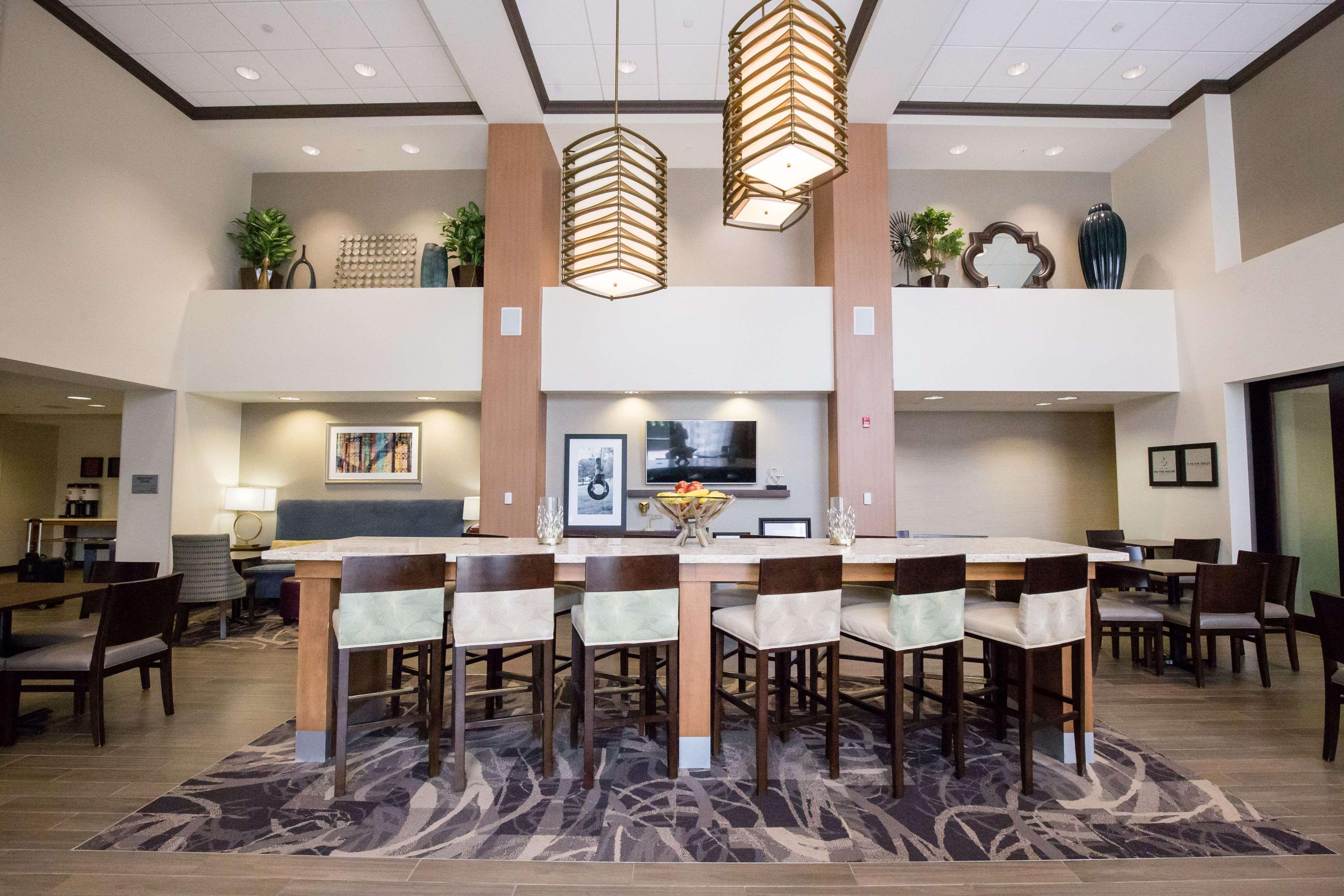 Hampton Inn Amp Suites Pittsburgh Harmarville Pittsburgh