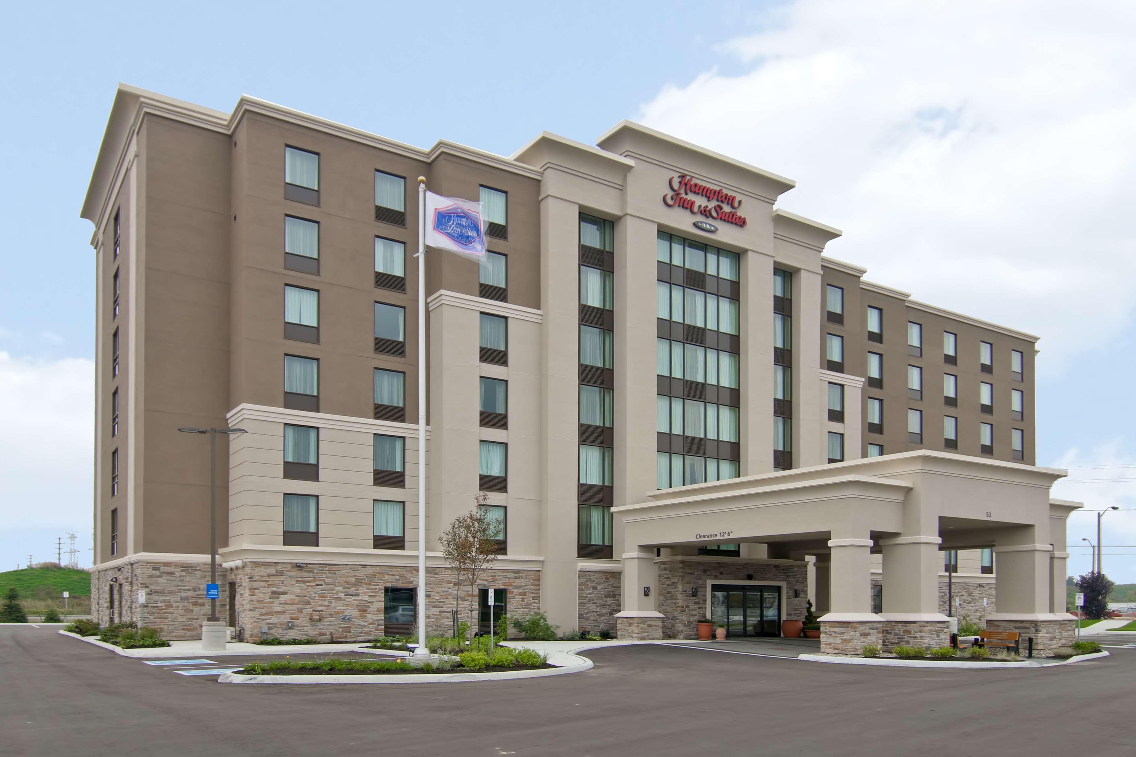 Hampton Inn & Suites by Hilton Toronto Markham - Markham, ON L6G 0A9 - (905)752-5600 | ShowMeLocal.com