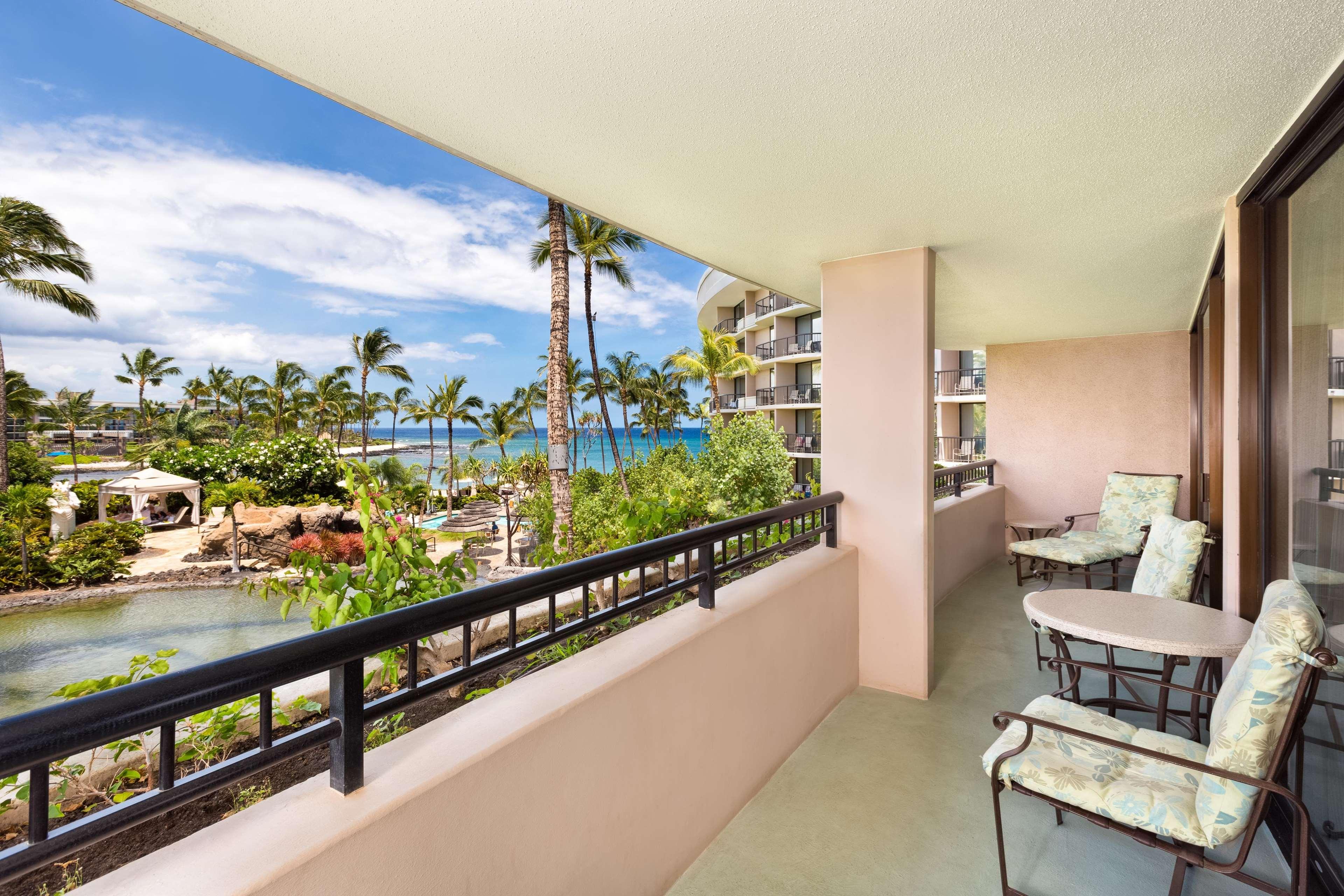 Hilton Waikoloa Village Restaurants Near
