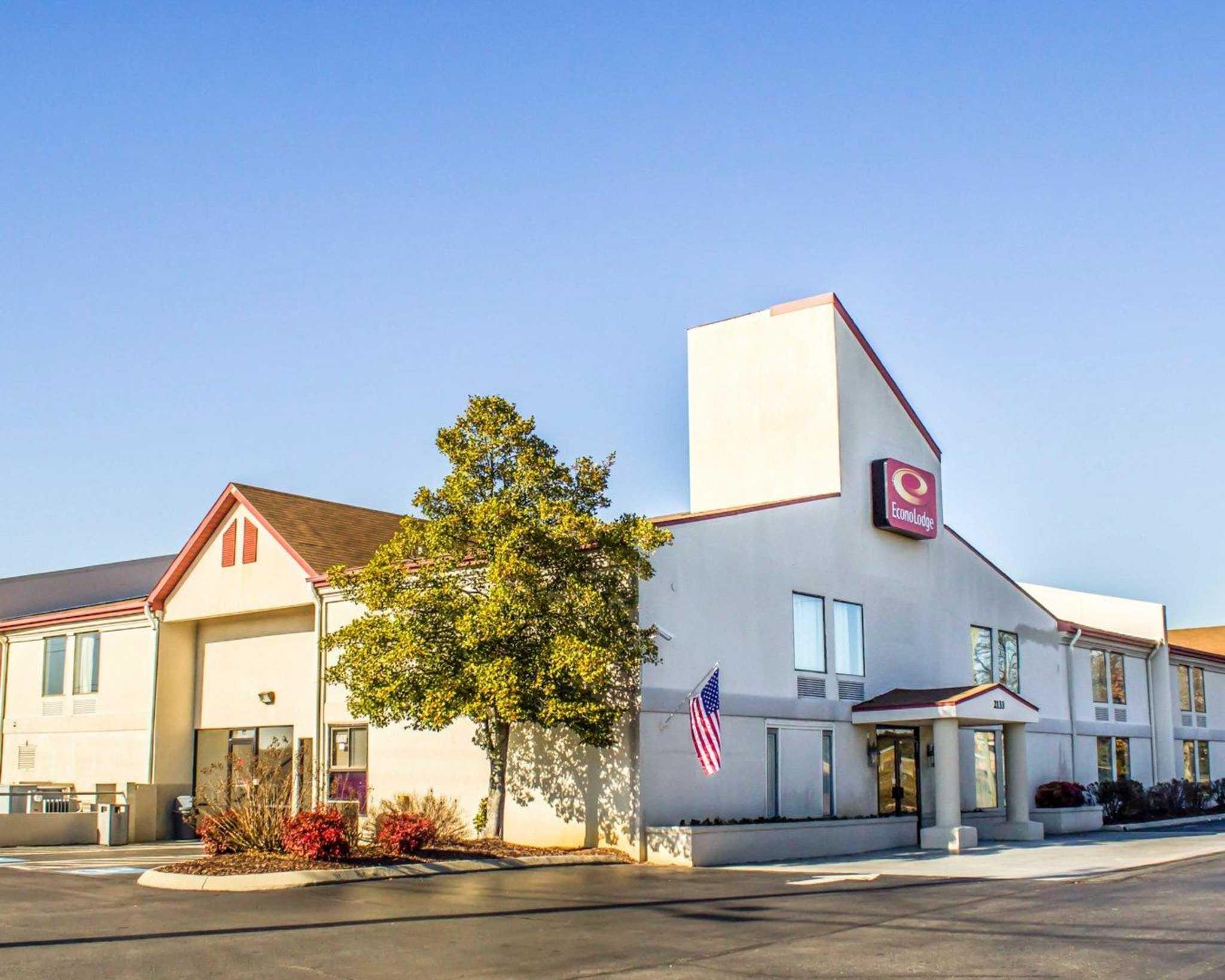 Burlington Hours Today Near Me >> Econo Lodge - Burlington, NC 27215 - (336)227-1270 | ShowMeLocal.com