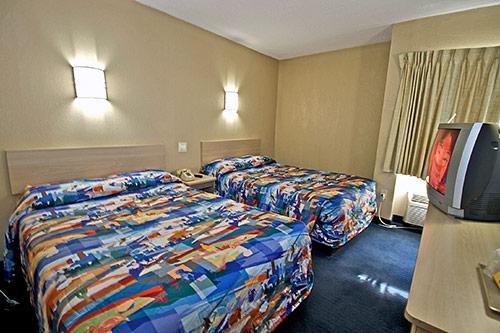 Motel 6 Washington DC image 2