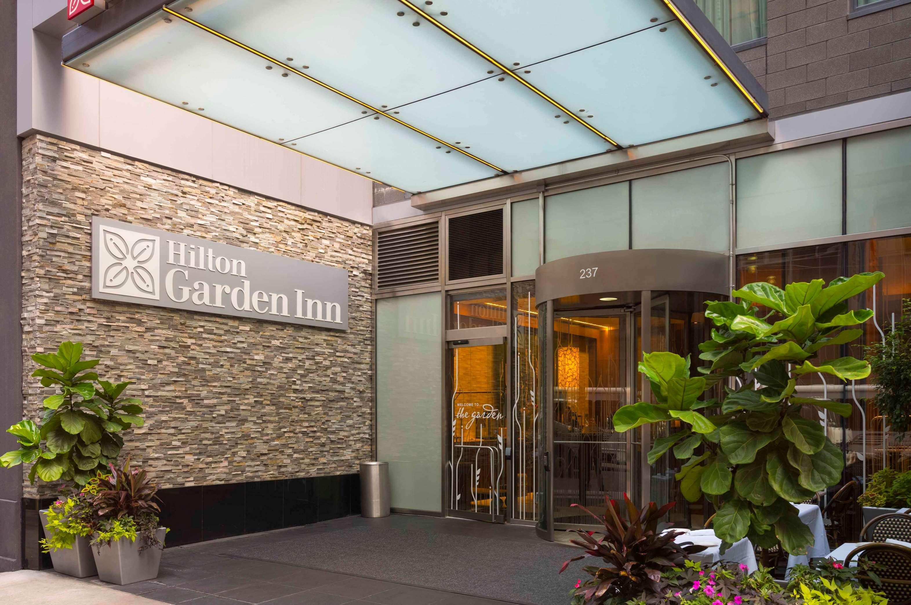 Hilton Garden Inn New York Central Park South Midtown West New York New York Ny