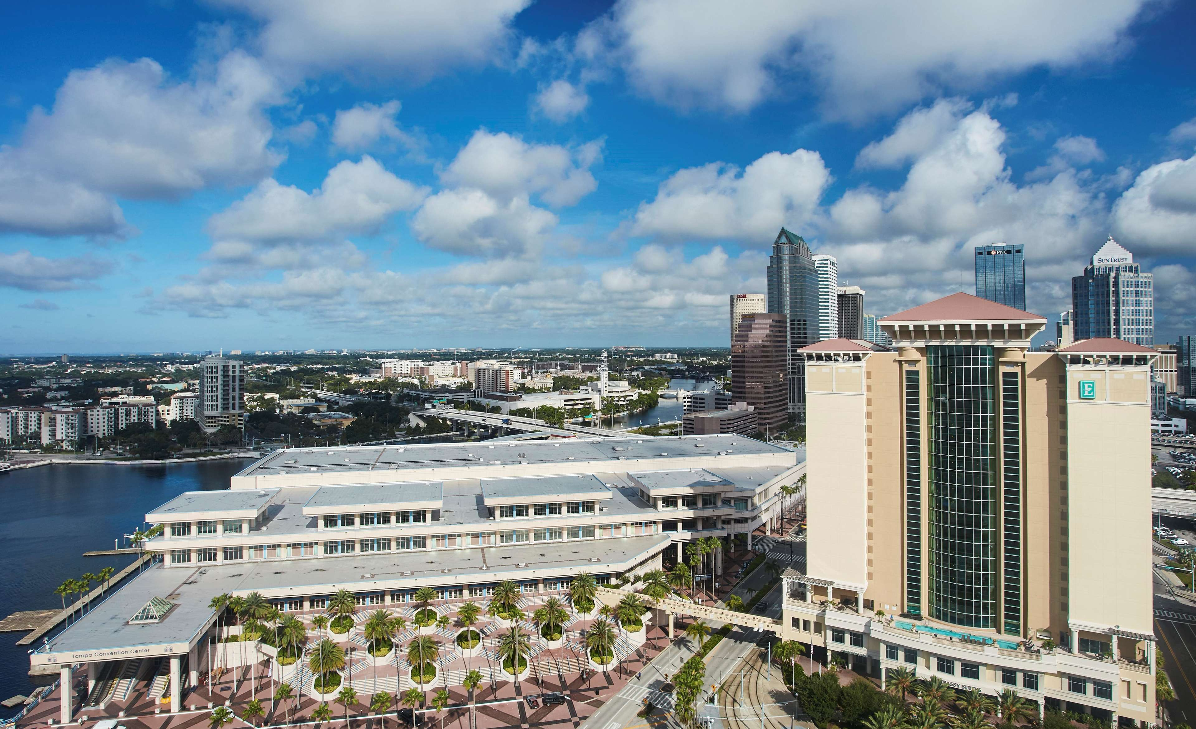 Hotels Near To Tampa Convention Center