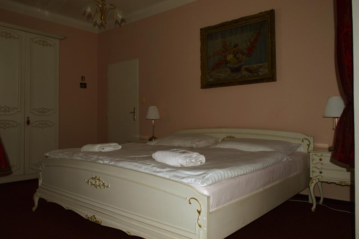 Hotel a restaurace Bílá paní