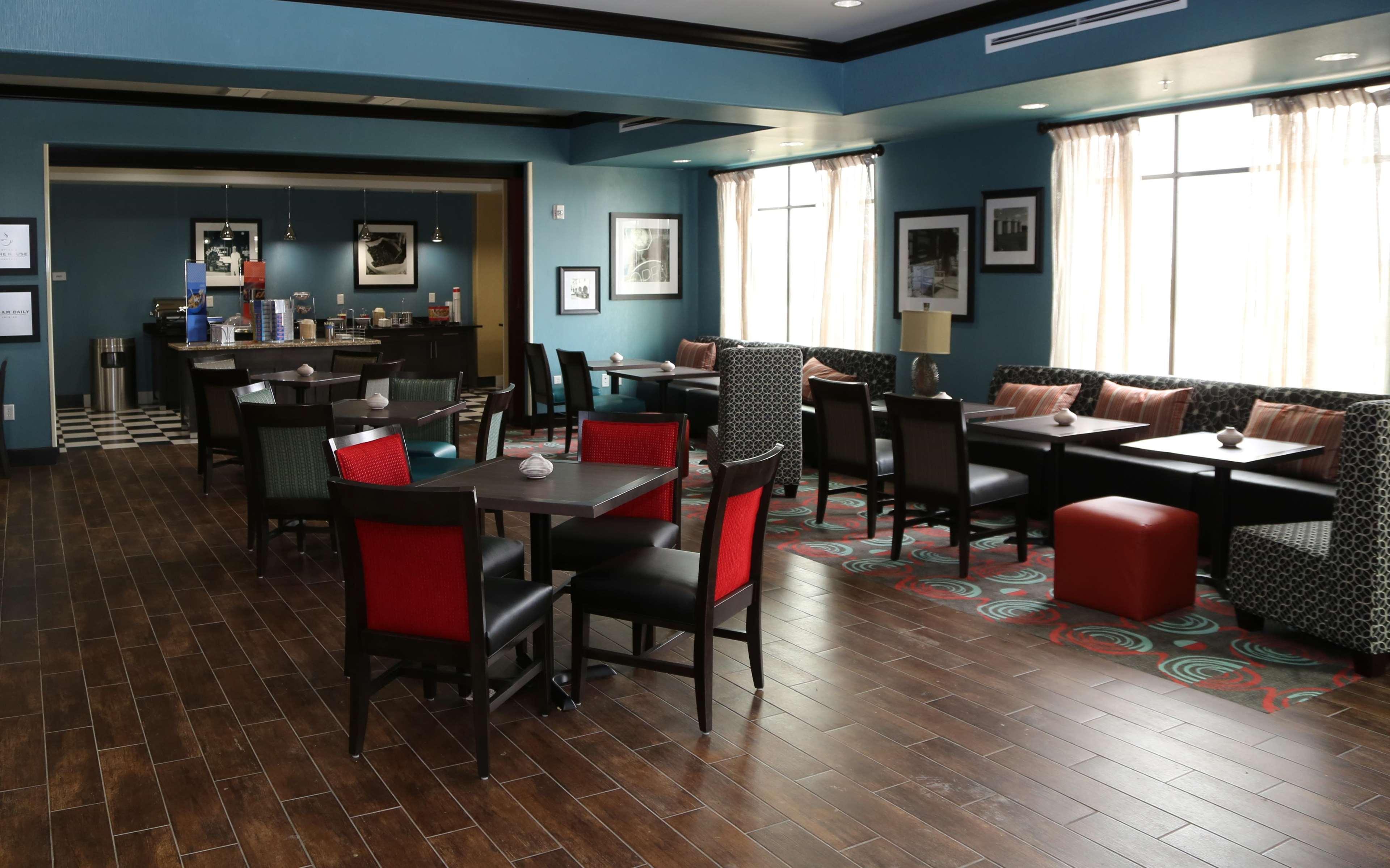 Hampton Inn Pearsall