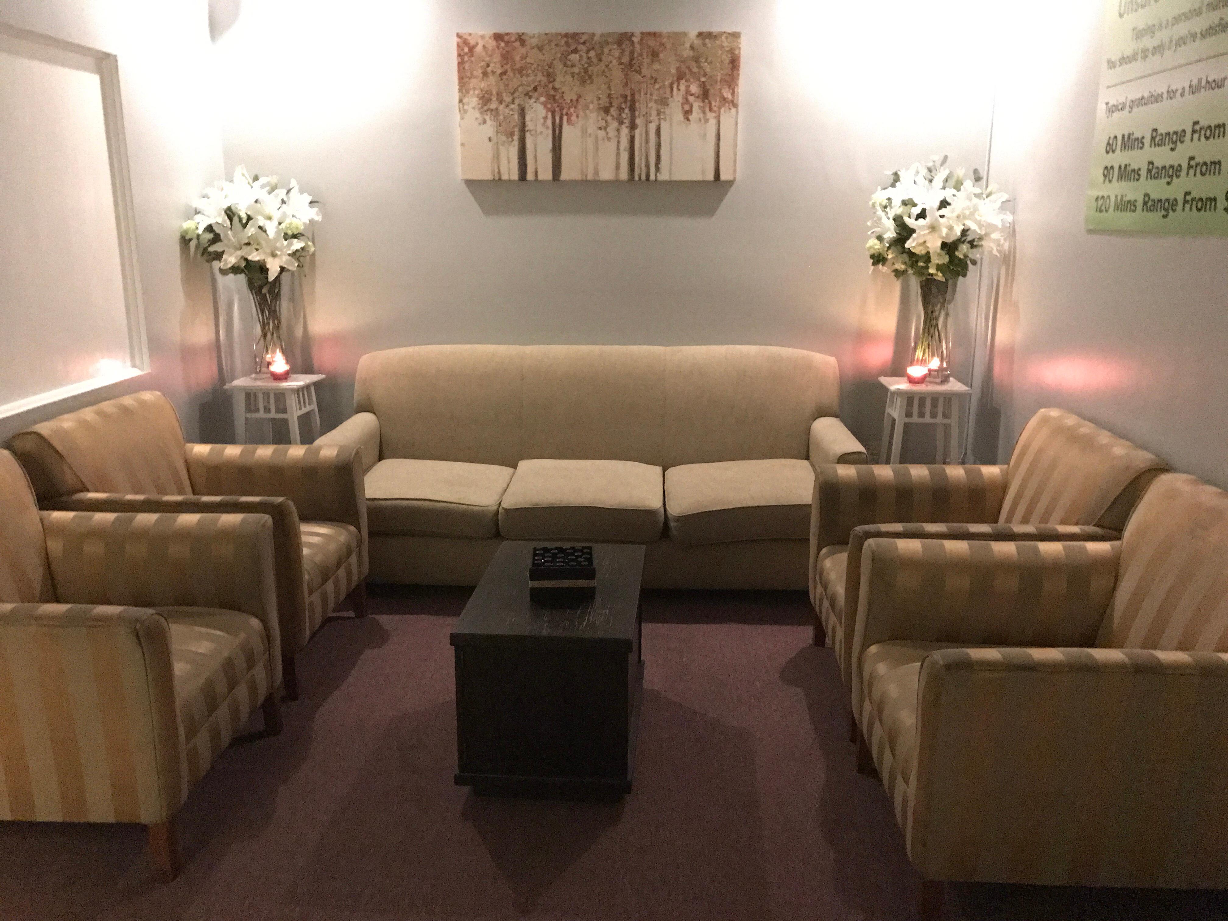 Rafole thai massage spa canoga park california ca for Academy for salon professionals canoga park
