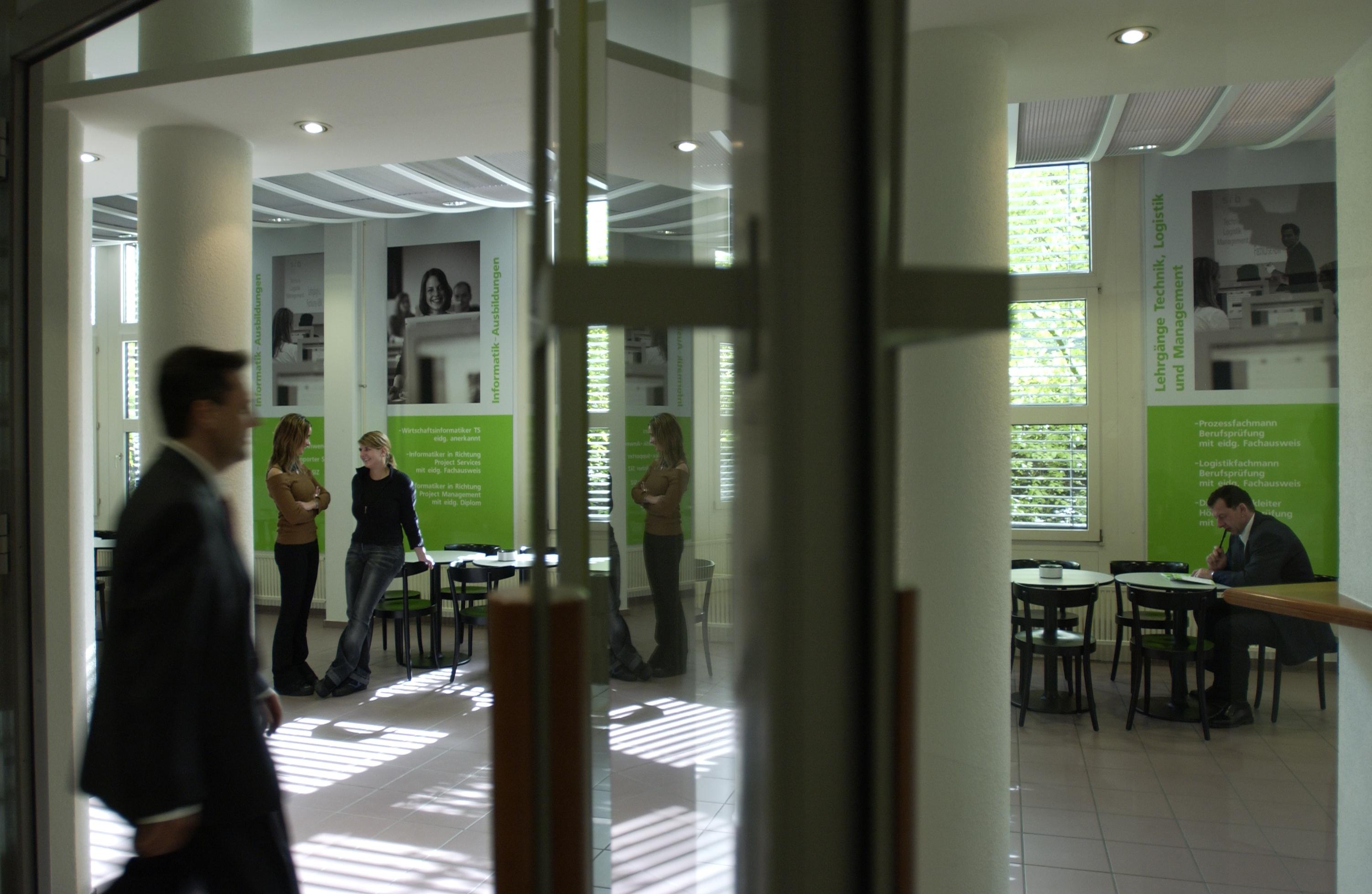 sfb Bildungszentrum - Hauptistz Dietikon