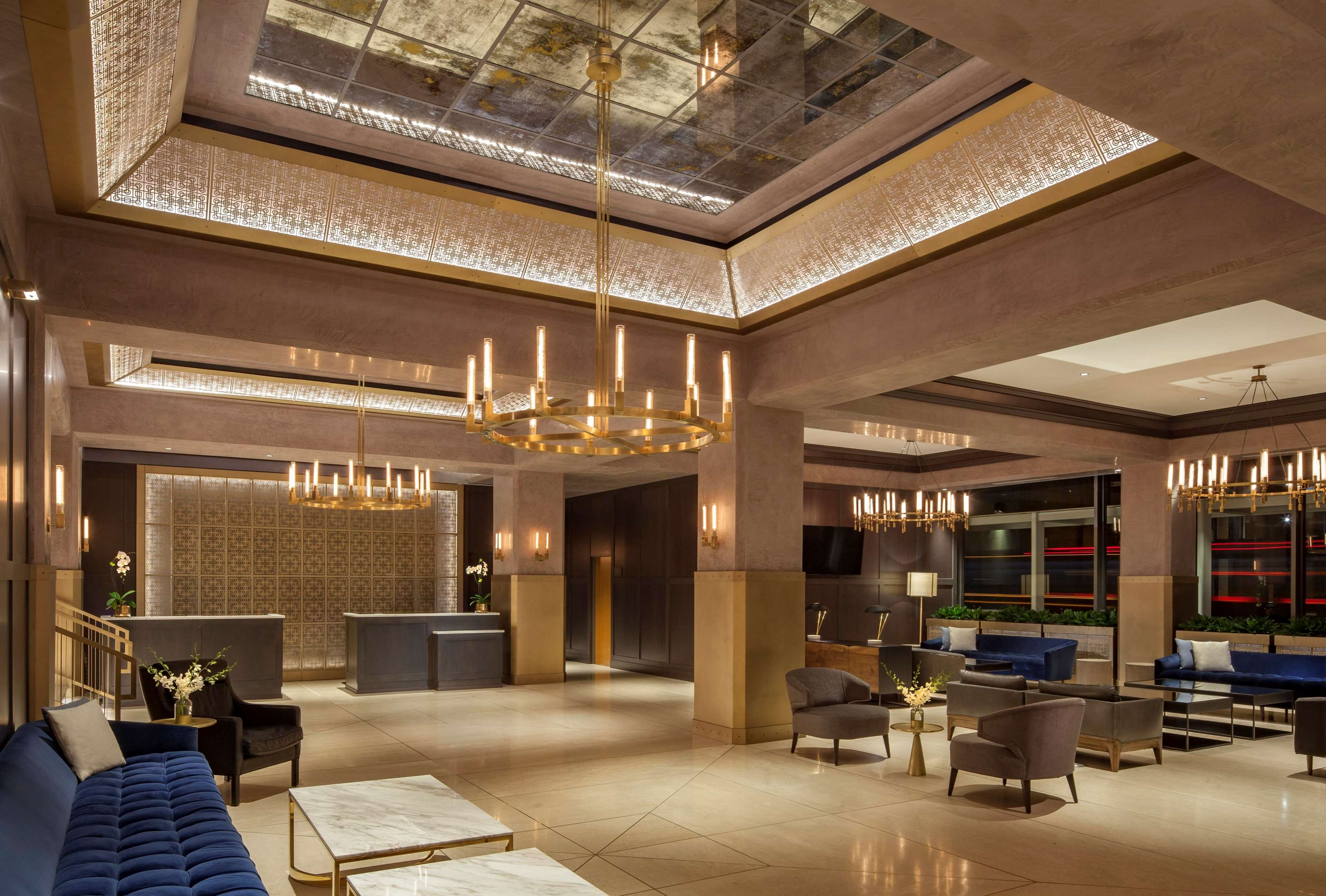 The Marquette Hotel Curio Collection By Hilton