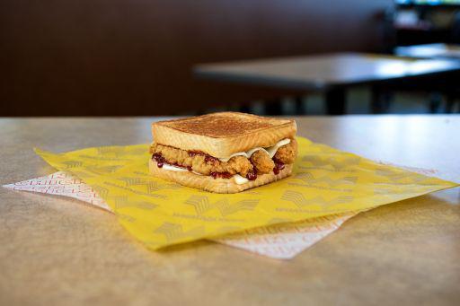 Whataburger Honey BBQ Chicken Strip Sandwich