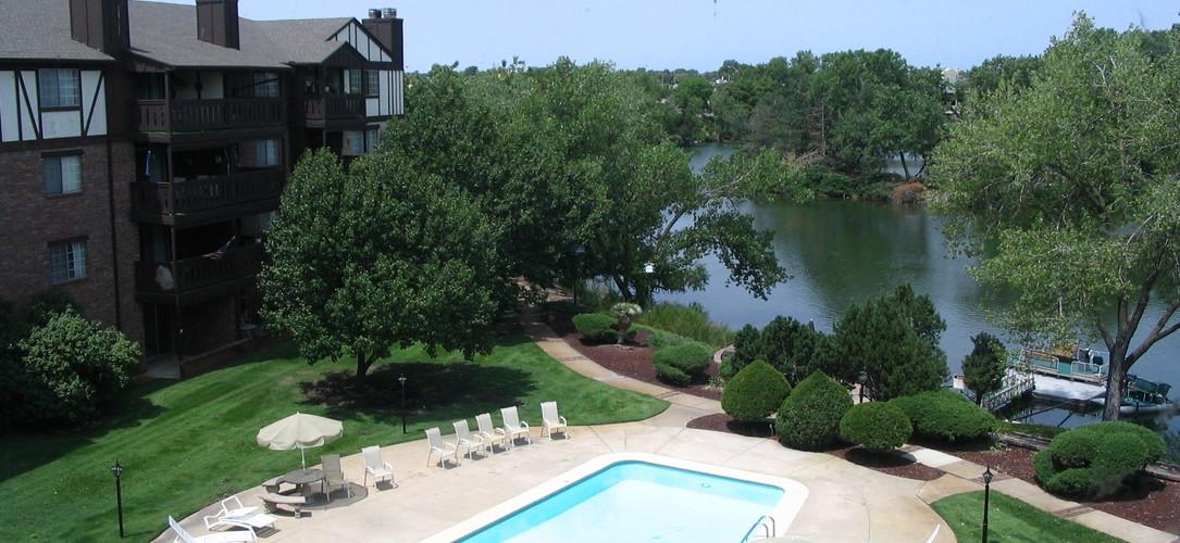 Twin Lakes Apartments Reviews