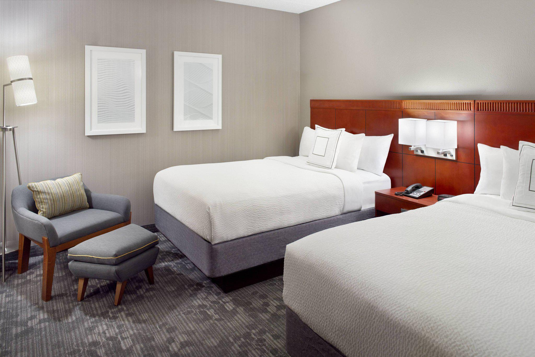 Courtyard By Marriott Charlotte Southpark Charlotte North