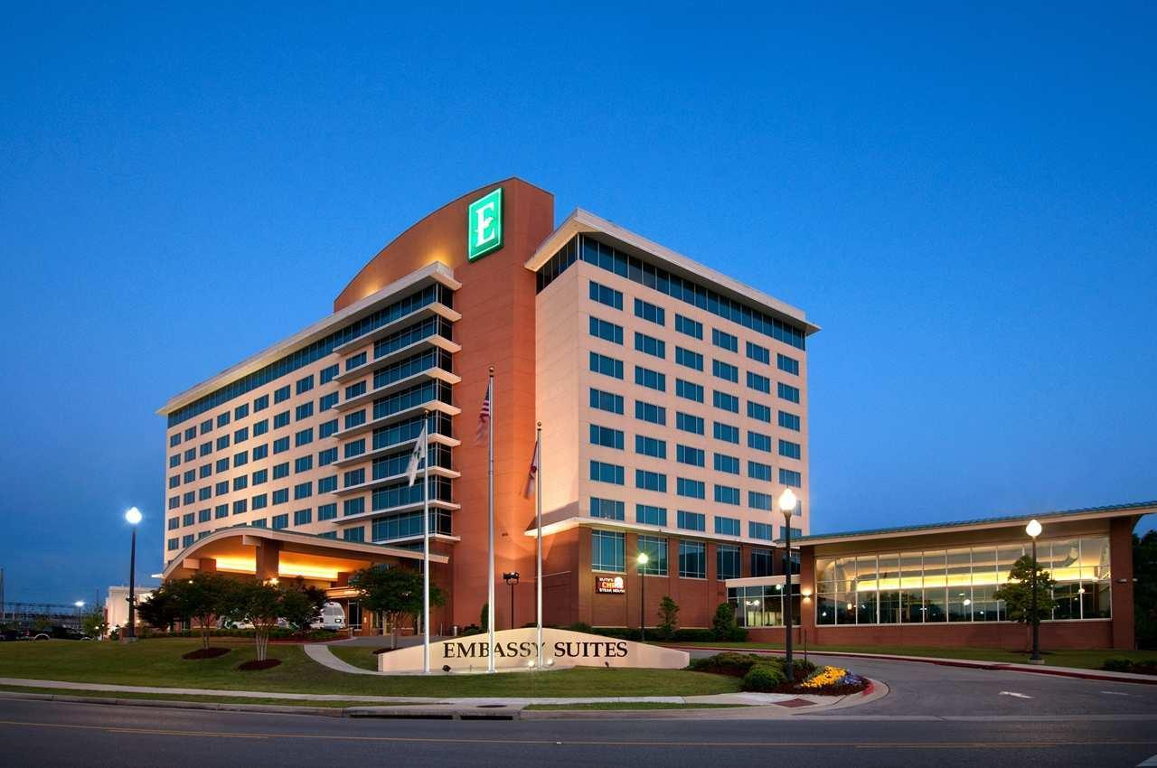 Embassy suites by hilton huntsville hotel spa coupons for Hotel spa resort near me