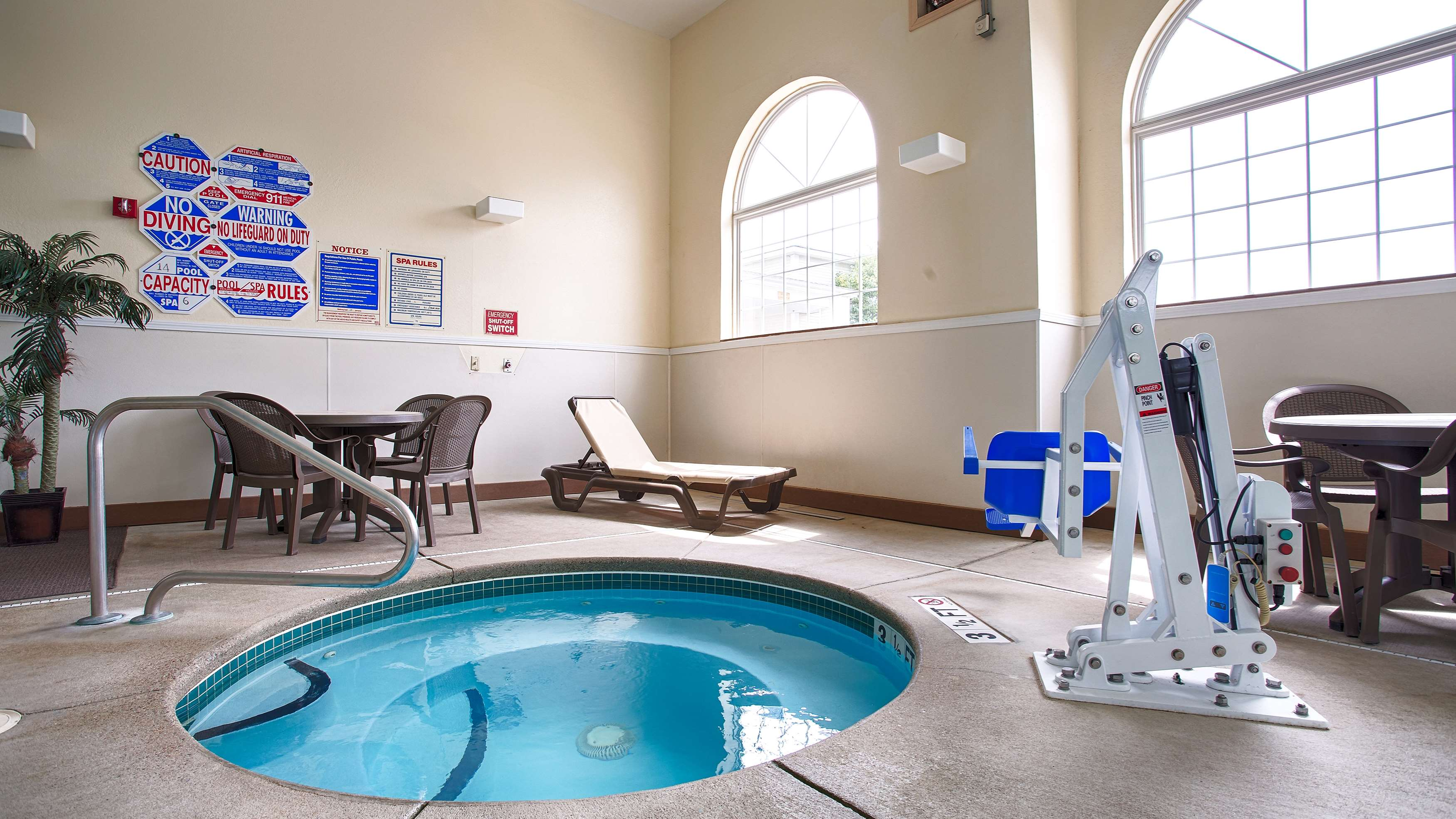 Hotels In Concord Nh With Hot Tub In Room