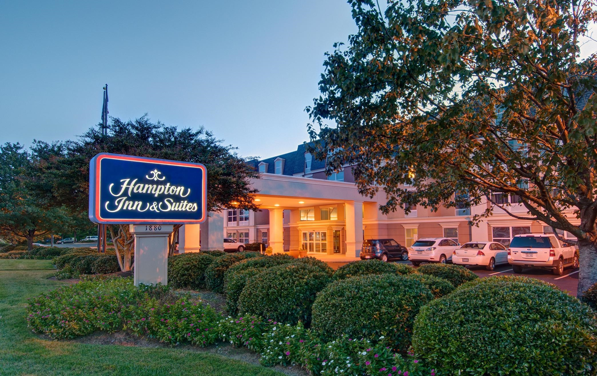 Hampton Inn & Suites Williamsburg-Richmond Rd. in ... Williamsburg Virginia Chamber Of Commerce Photos