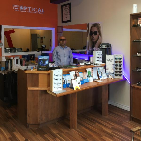 Eye Care Center in ON Mississauga L5H 3A1 Lorne Park Optical 18-1107 Lorne Park Rd  (905)278-1234