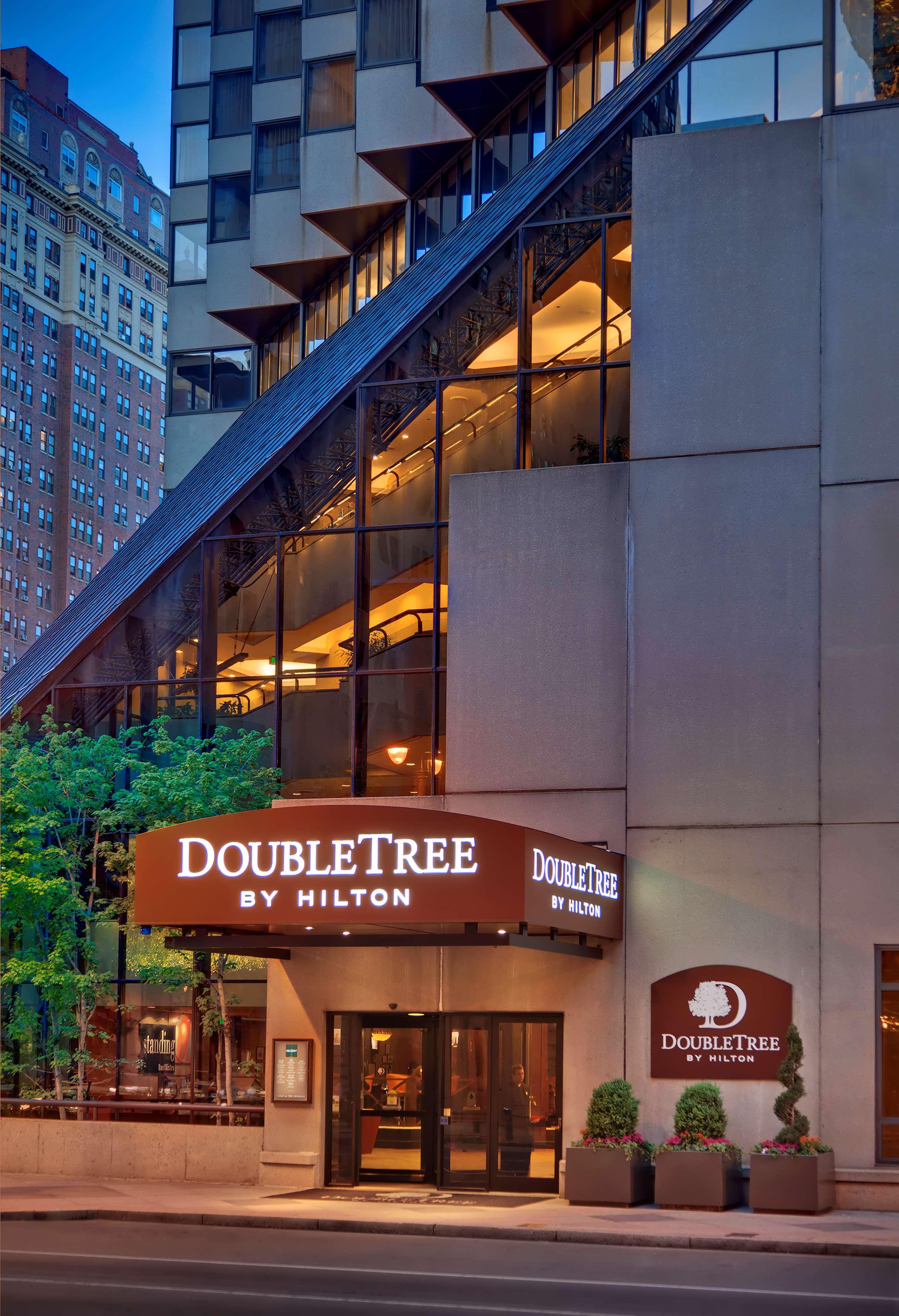 doubletree by hilton hotel philadelphia center city. Black Bedroom Furniture Sets. Home Design Ideas