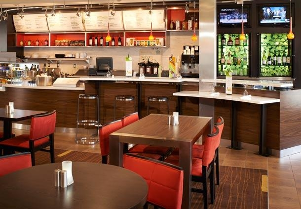 Courtyard by Marriott Toledo Airport Holland image 1
