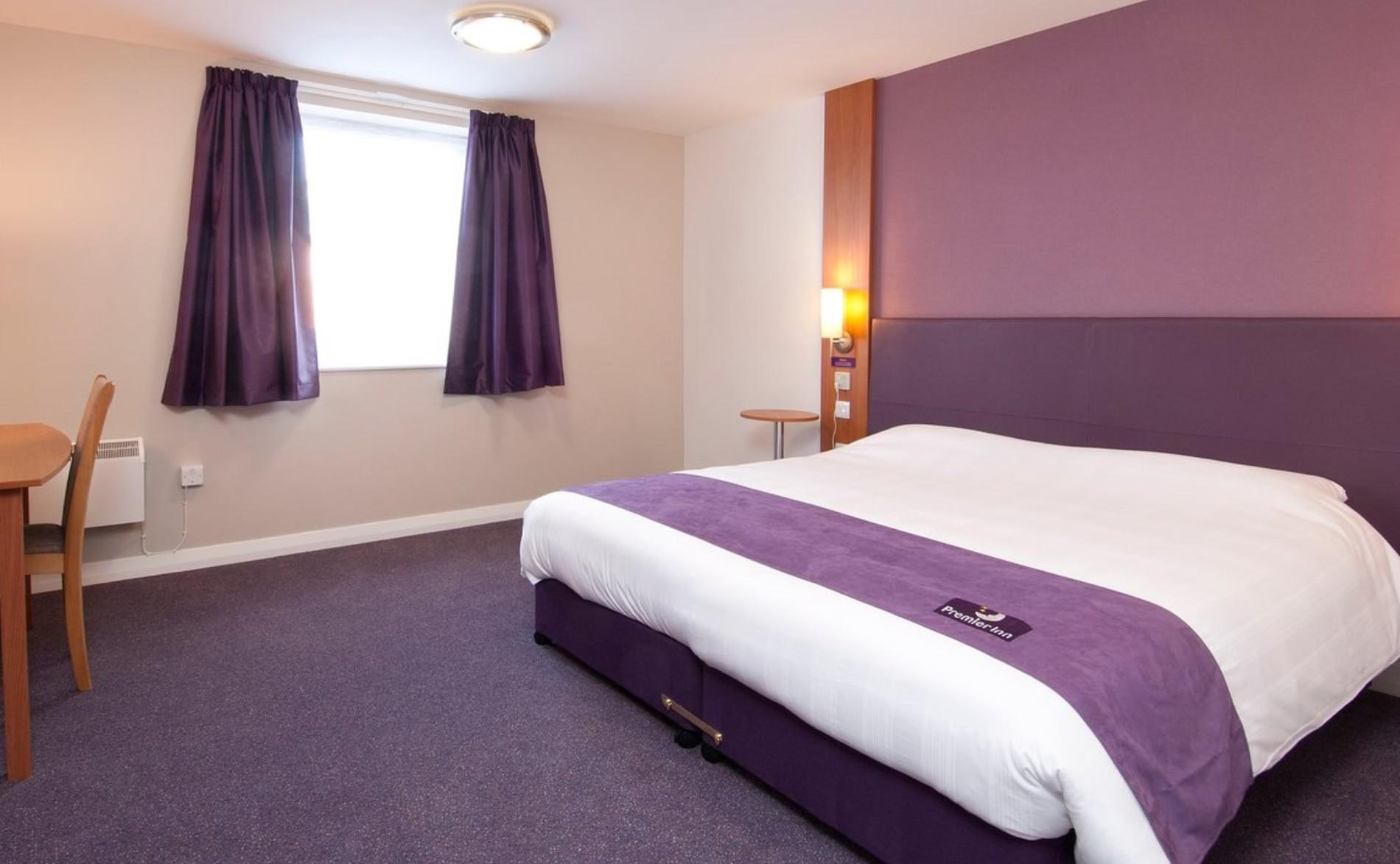 Premier Inn accessible bedroom