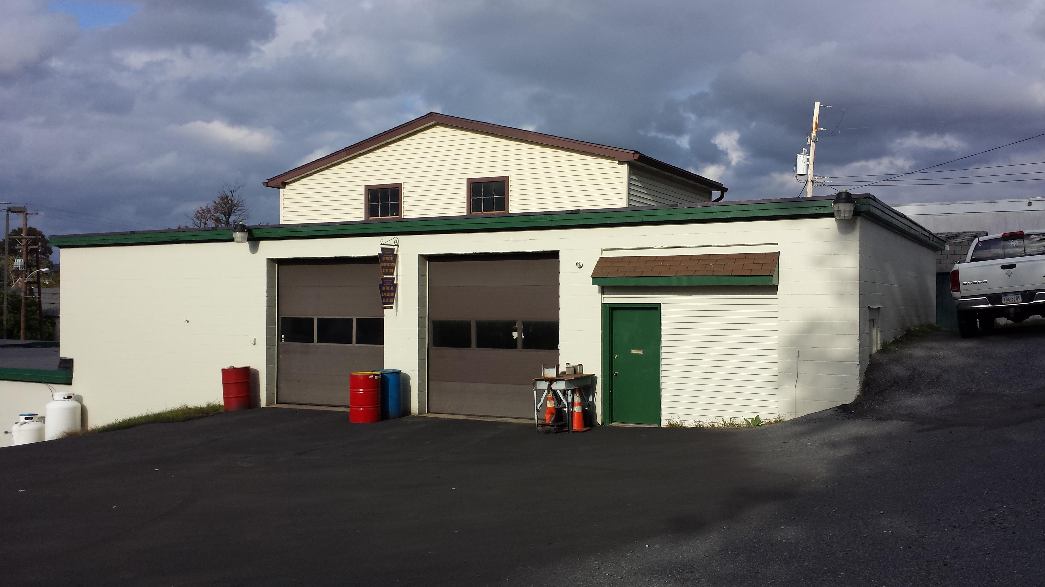 Chapmans Service Center, Reading Pennsylvania (PA ...