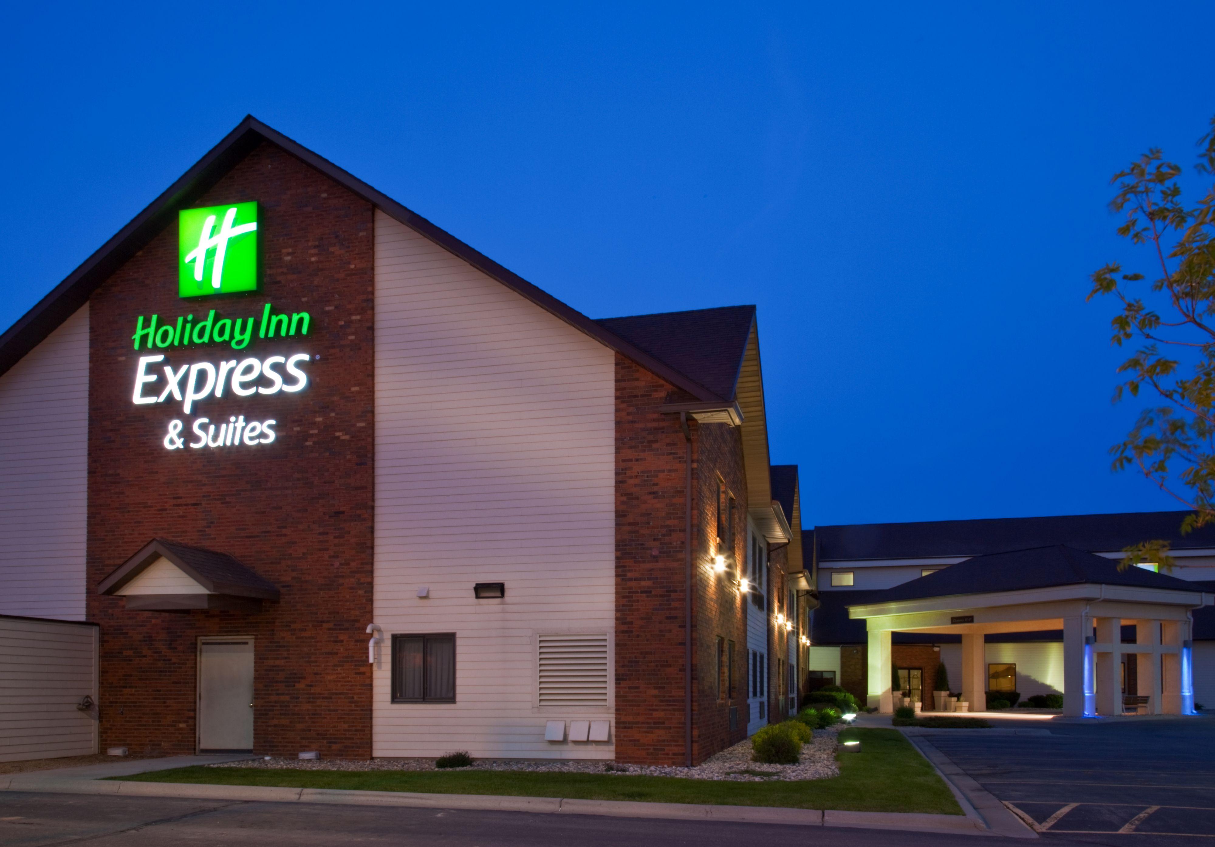 Holiday inn express waterloo cedar falls in waterloo ia for Hotels waterloo