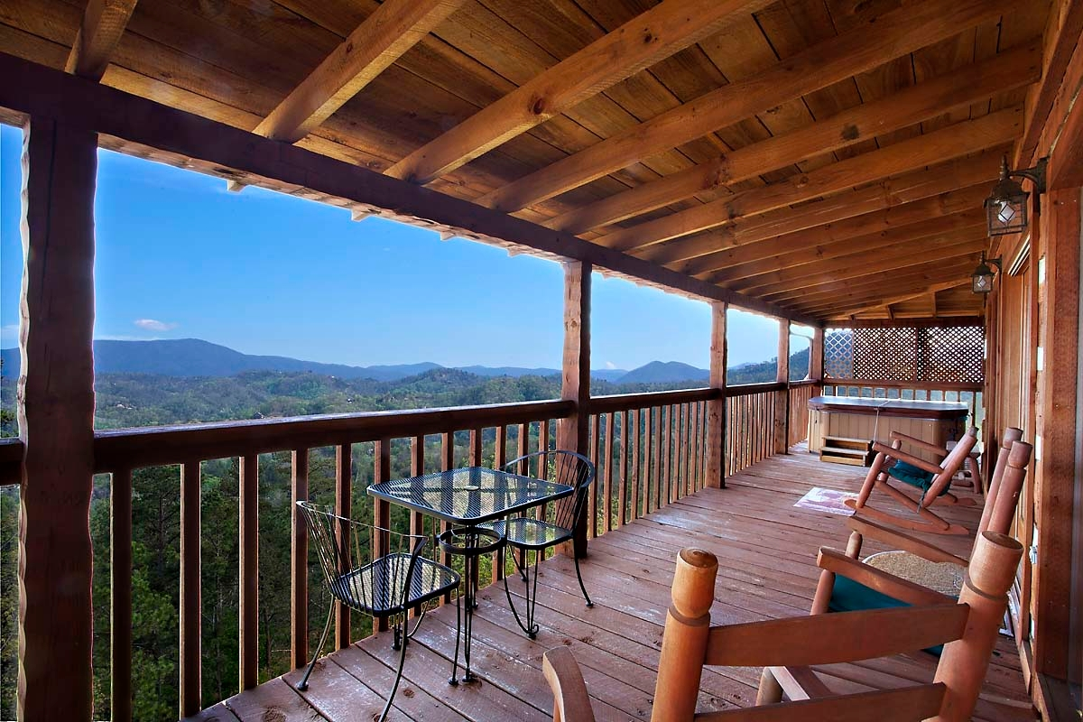 Prescott Mountain Views Donny Karcie, MBA RE/MAX Mountain Properties 731 W Gurley Street / Prescott, AZ 86305 (928) 899-4772 http://www.featureprescott.com