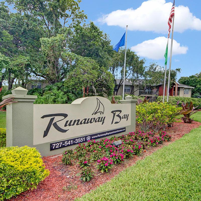 Runaway Bay Apartments In Pinellas Park, FL 33782